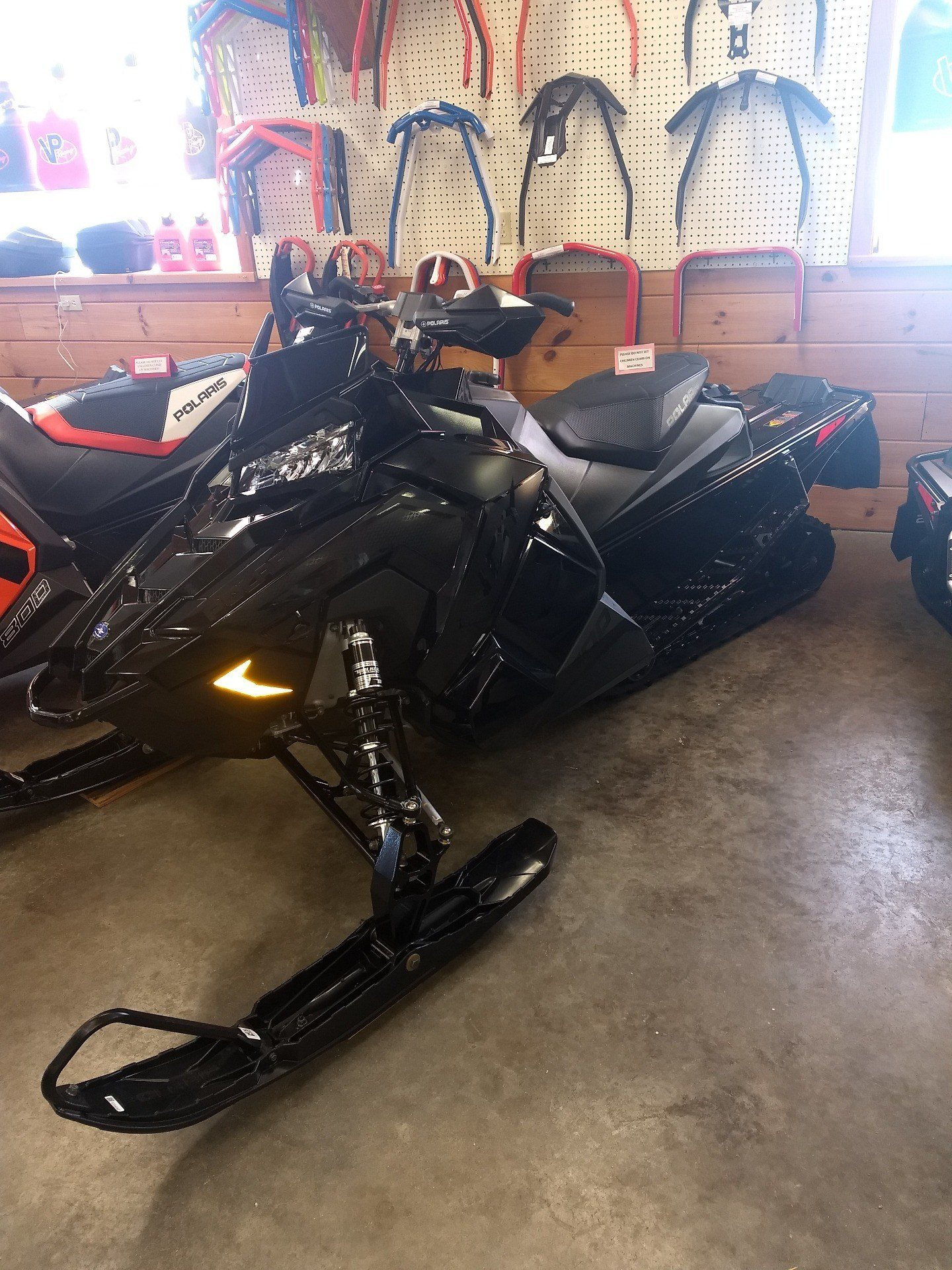 2019 Polaris 800 INDY XC 129 Snowcheck Select in Center Conway, New Hampshire - Photo 2