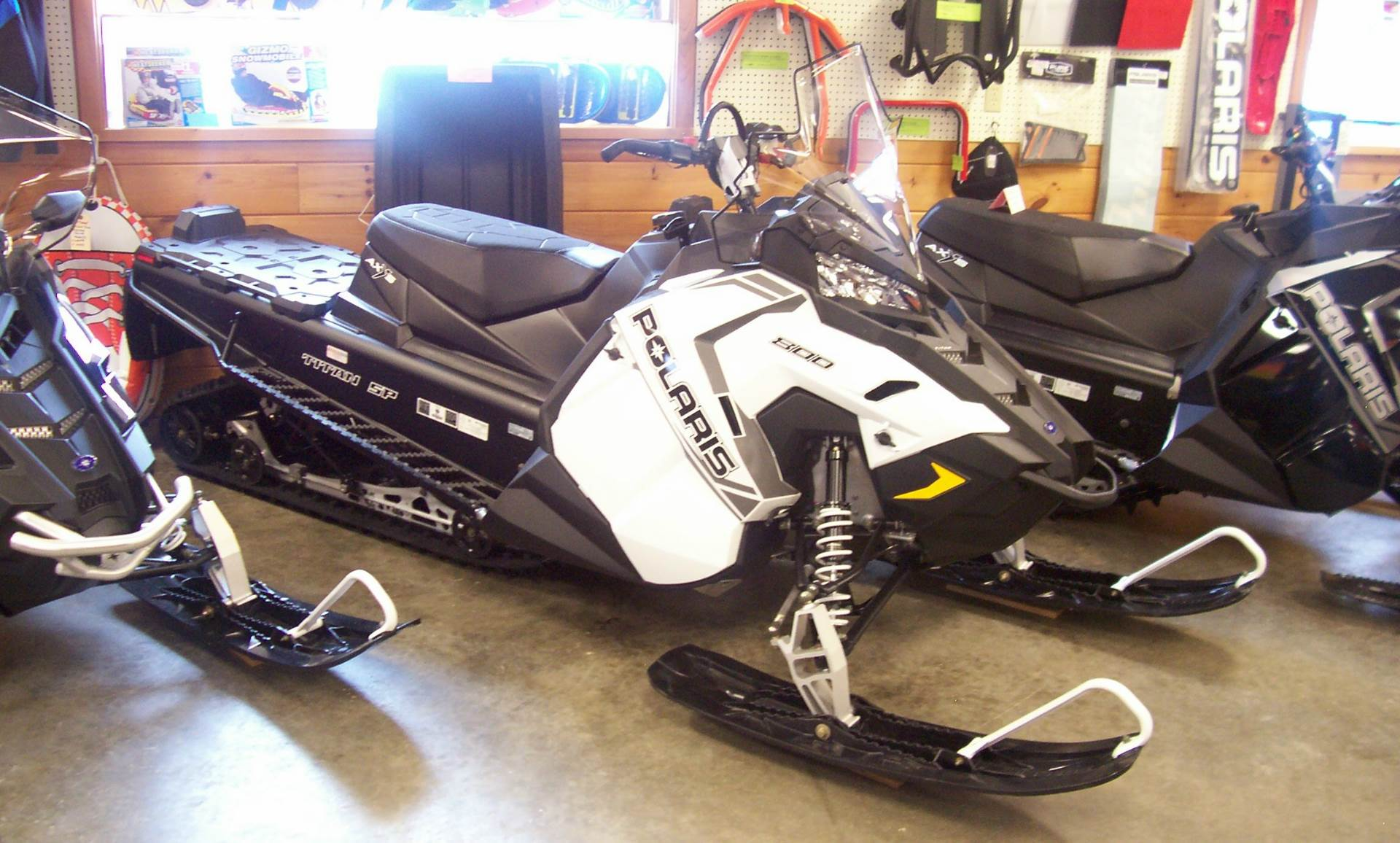 2018 Polaris 800 Titan SP 155 in Center Conway, New Hampshire