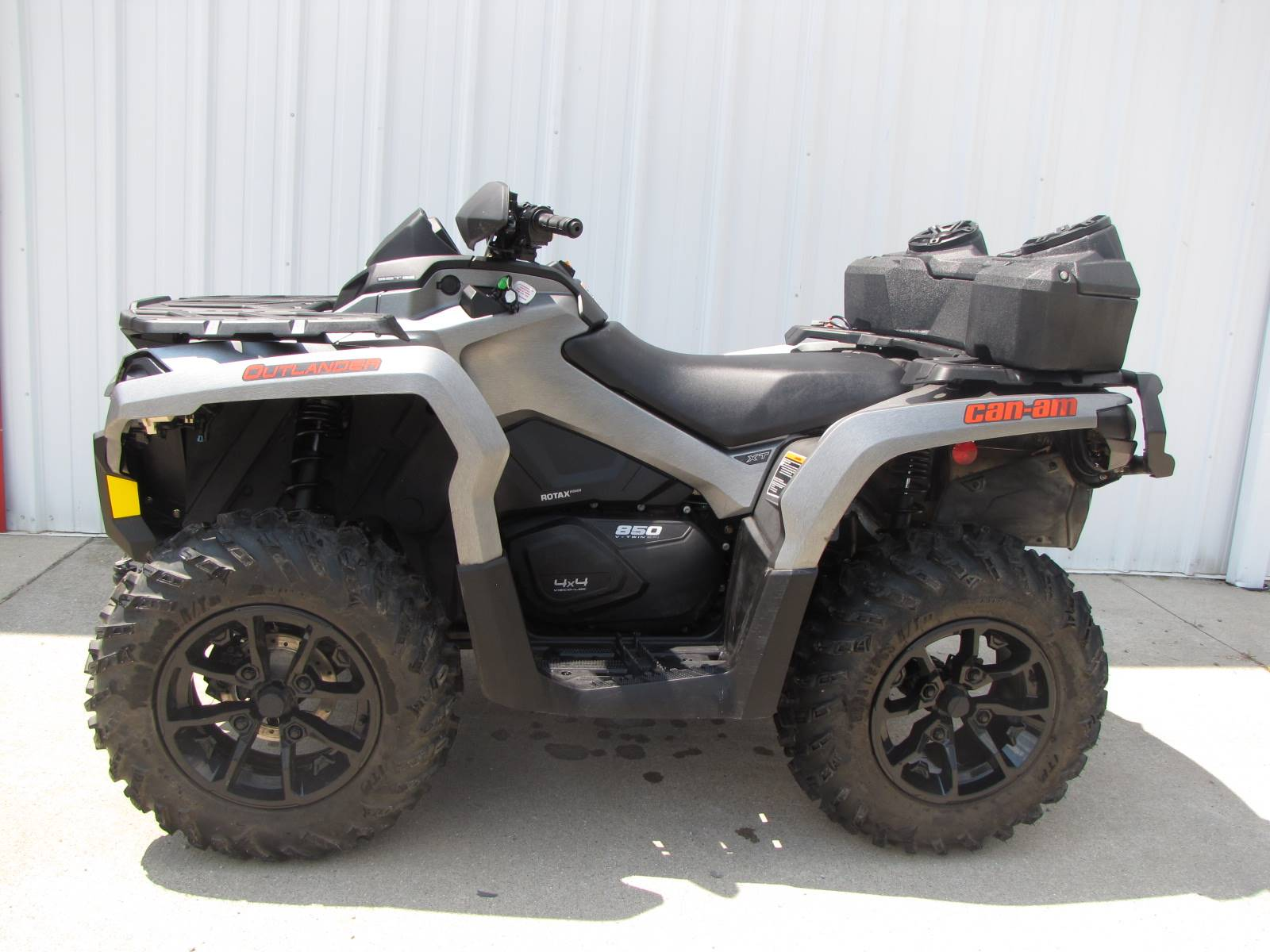 2017 Can-Am Outlander MAX XT 850 in Ottawa, Ohio - Photo 1