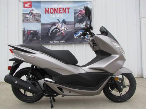 2016 Honda PCX150 in Ottawa, Ohio - Photo 1
