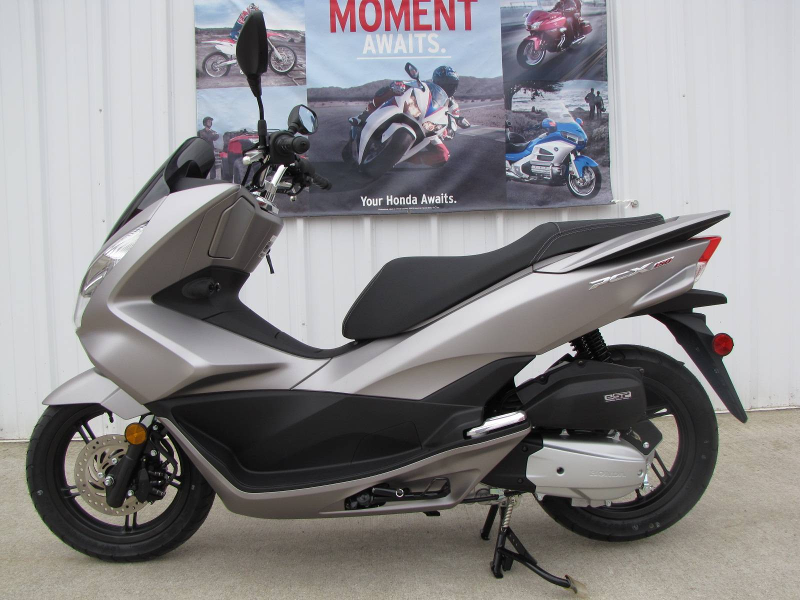 2016 Honda PCX150 in Ottawa, Ohio - Photo 2