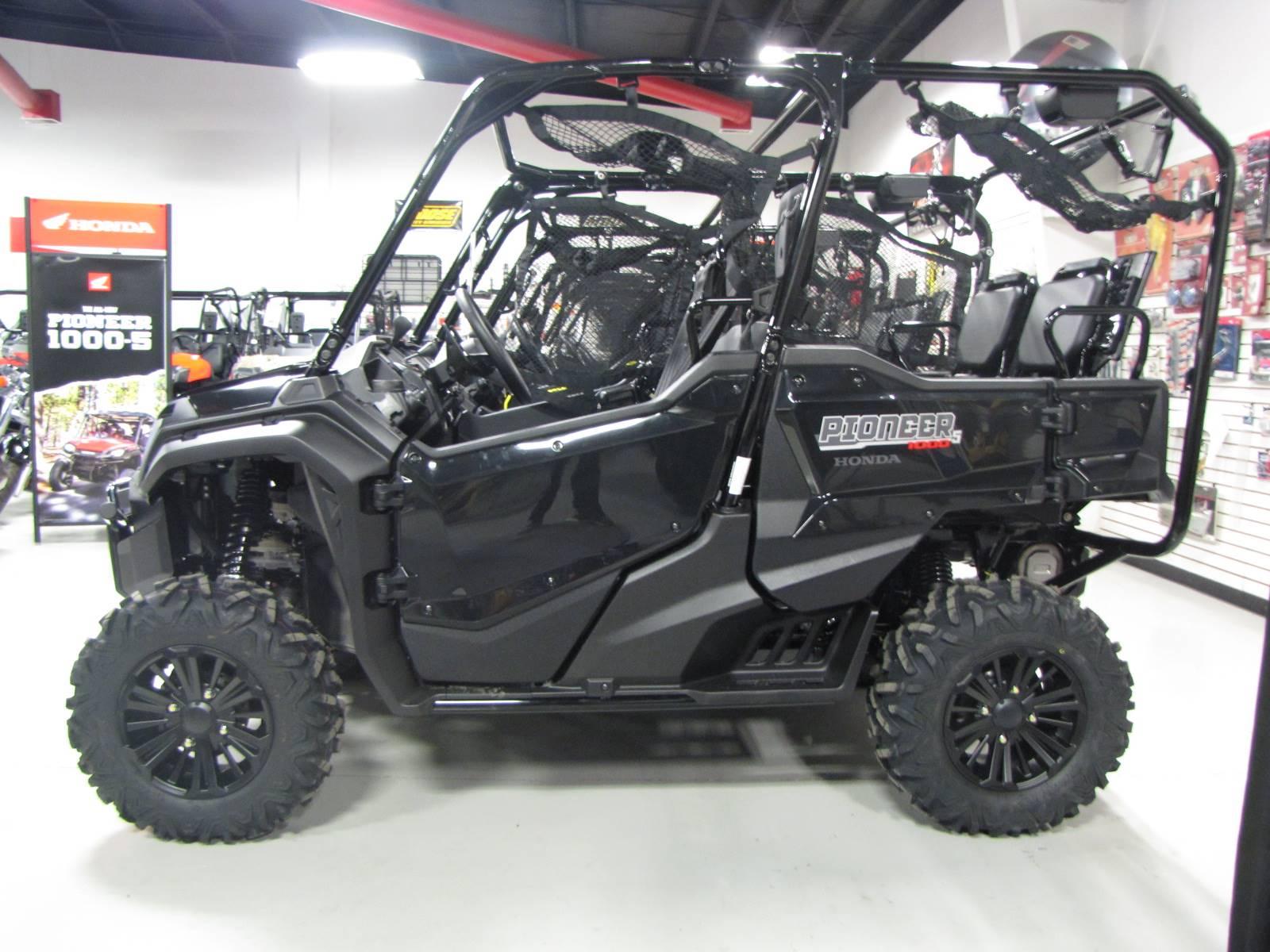 2019 Pioneer 1000-5 Deluxe