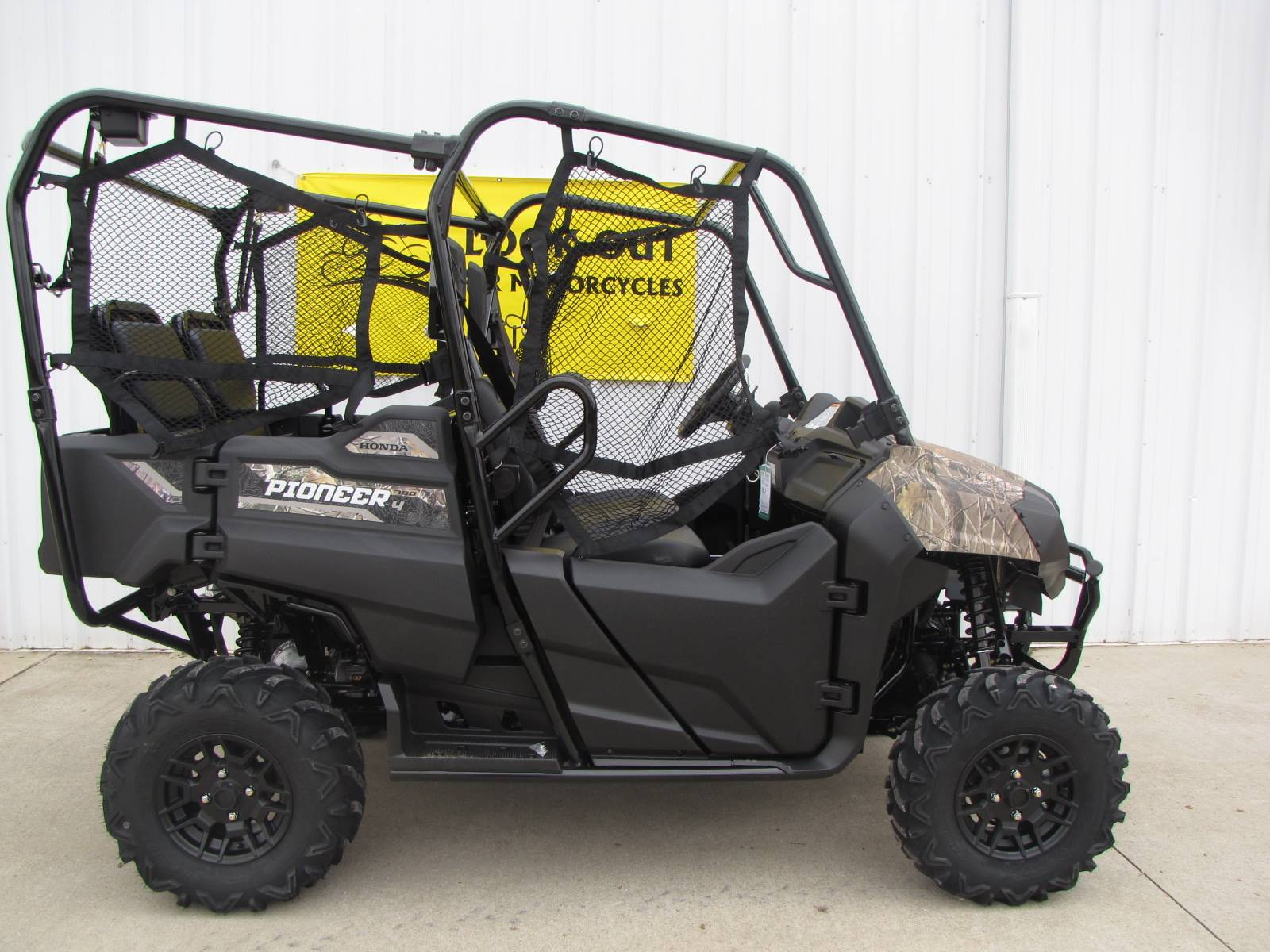 2019 Honda Pioneer 700-4 Deluxe in Ottawa, Ohio - Photo 2