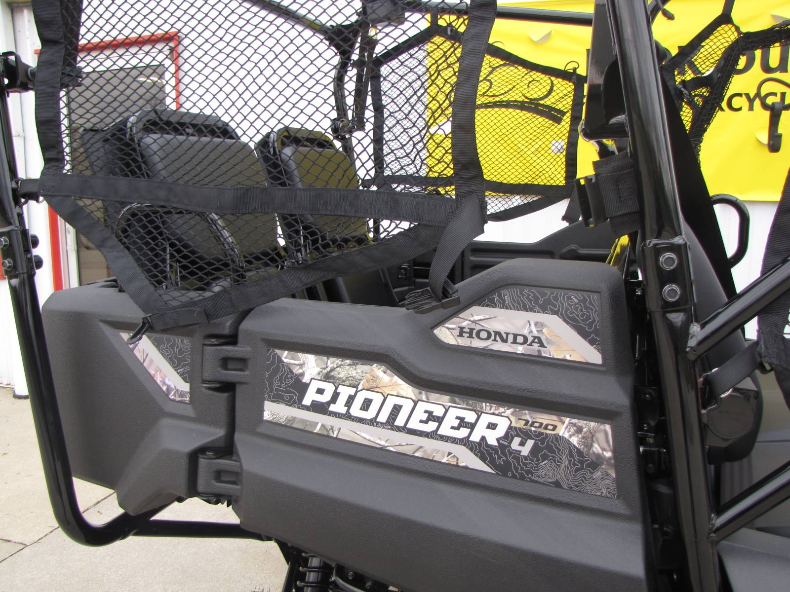 2019 Honda Pioneer 700-4 Deluxe in Ottawa, Ohio - Photo 5