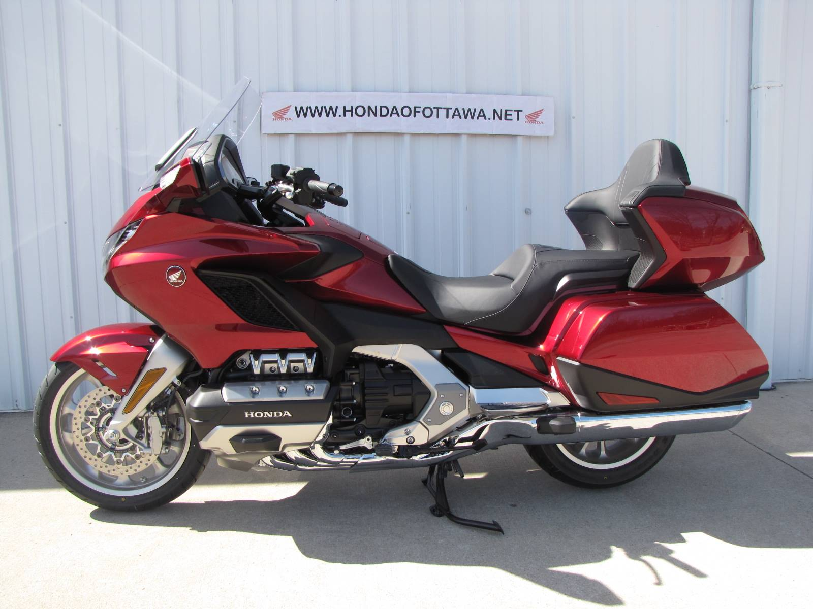 2018 Honda Gold Wing Tour in Ottawa, Ohio - Photo 2