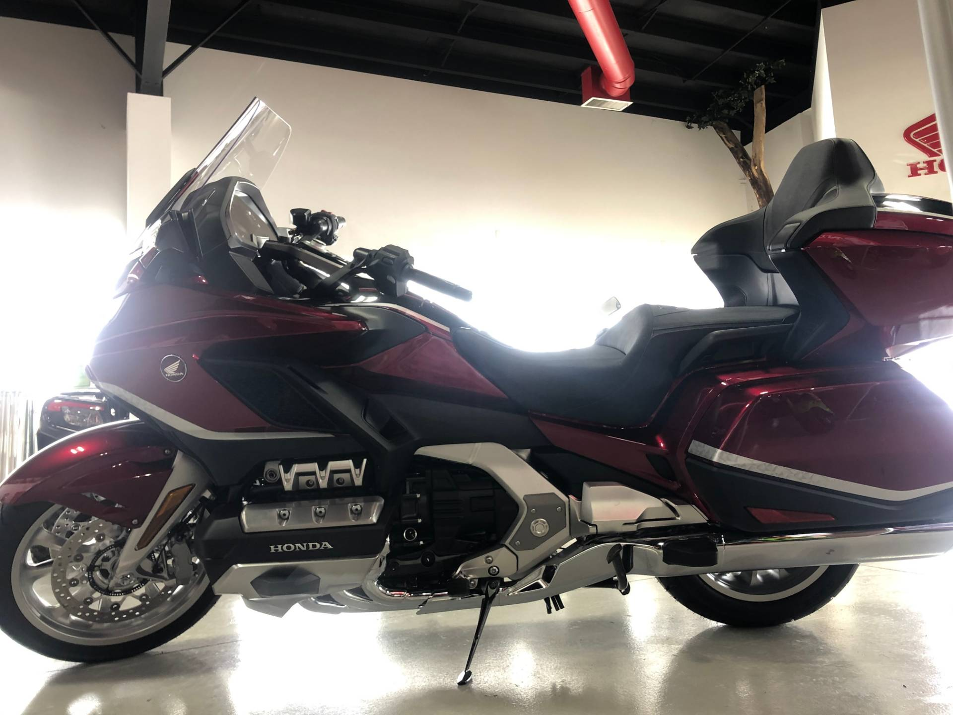 2021 Honda Gold Wing Tour Automatic DCT in Ottawa, Ohio - Photo 2