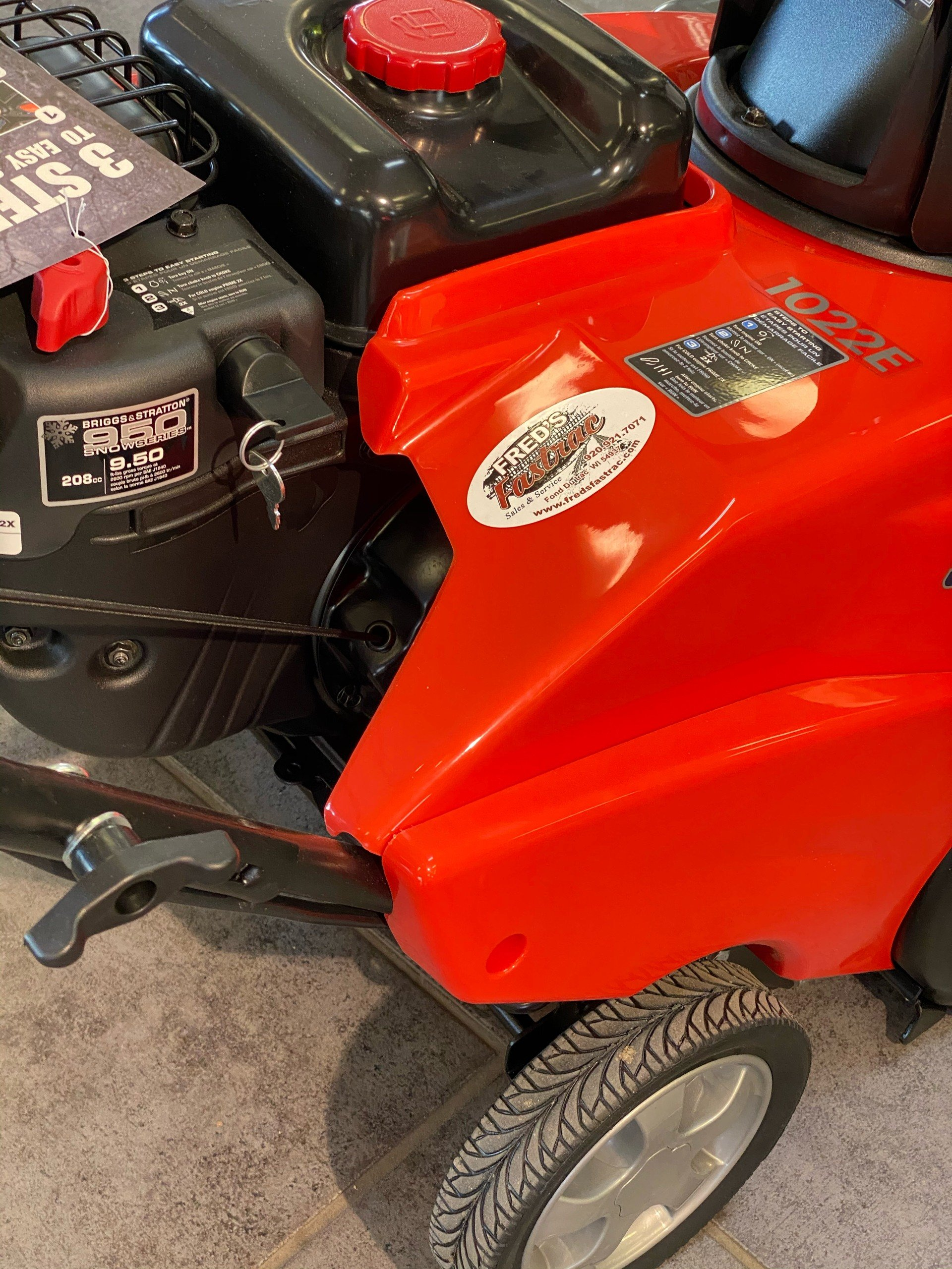 Simplicity SS SNOW THROWER 1022 EE in Fond Du Lac, Wisconsin - Photo 5