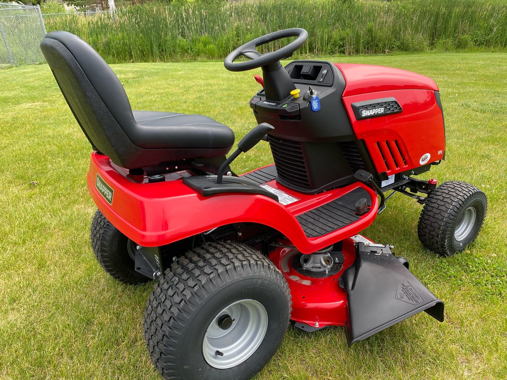 2018 Snapper SPX 23/42 42 in. Briggs & Stratton 23 hp in Fond Du Lac, Wisconsin - Photo 4