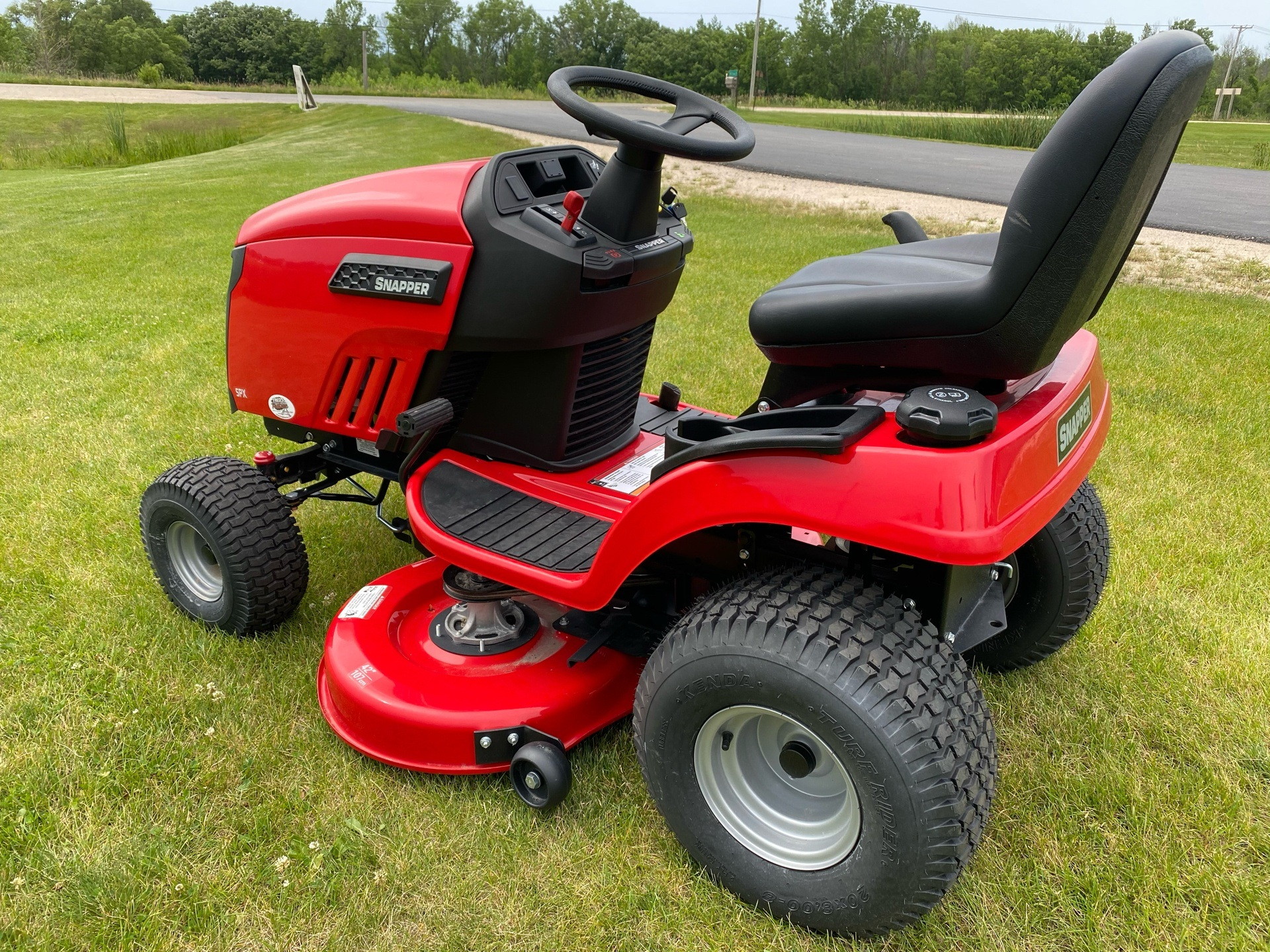 2018 Snapper SPX 23/42 42 in. Briggs & Stratton 23 hp in Fond Du Lac, Wisconsin - Photo 6