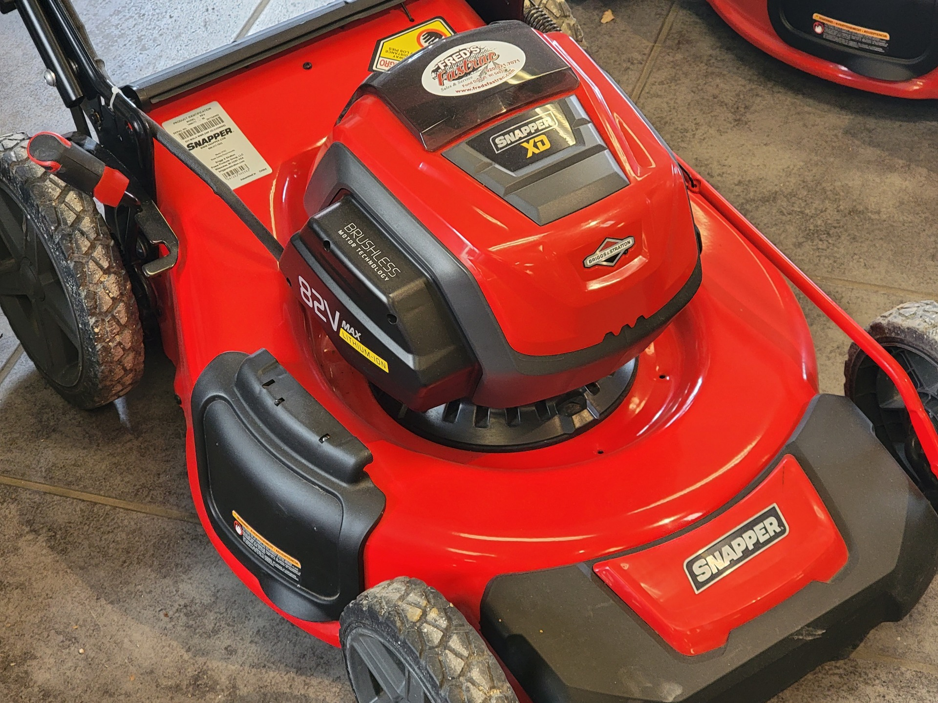 Snapper SXD21SPWM82K 21 in. 82V Max Lithium-Ion Cordless Self-Propelled in Fond Du Lac, Wisconsin - Photo 2