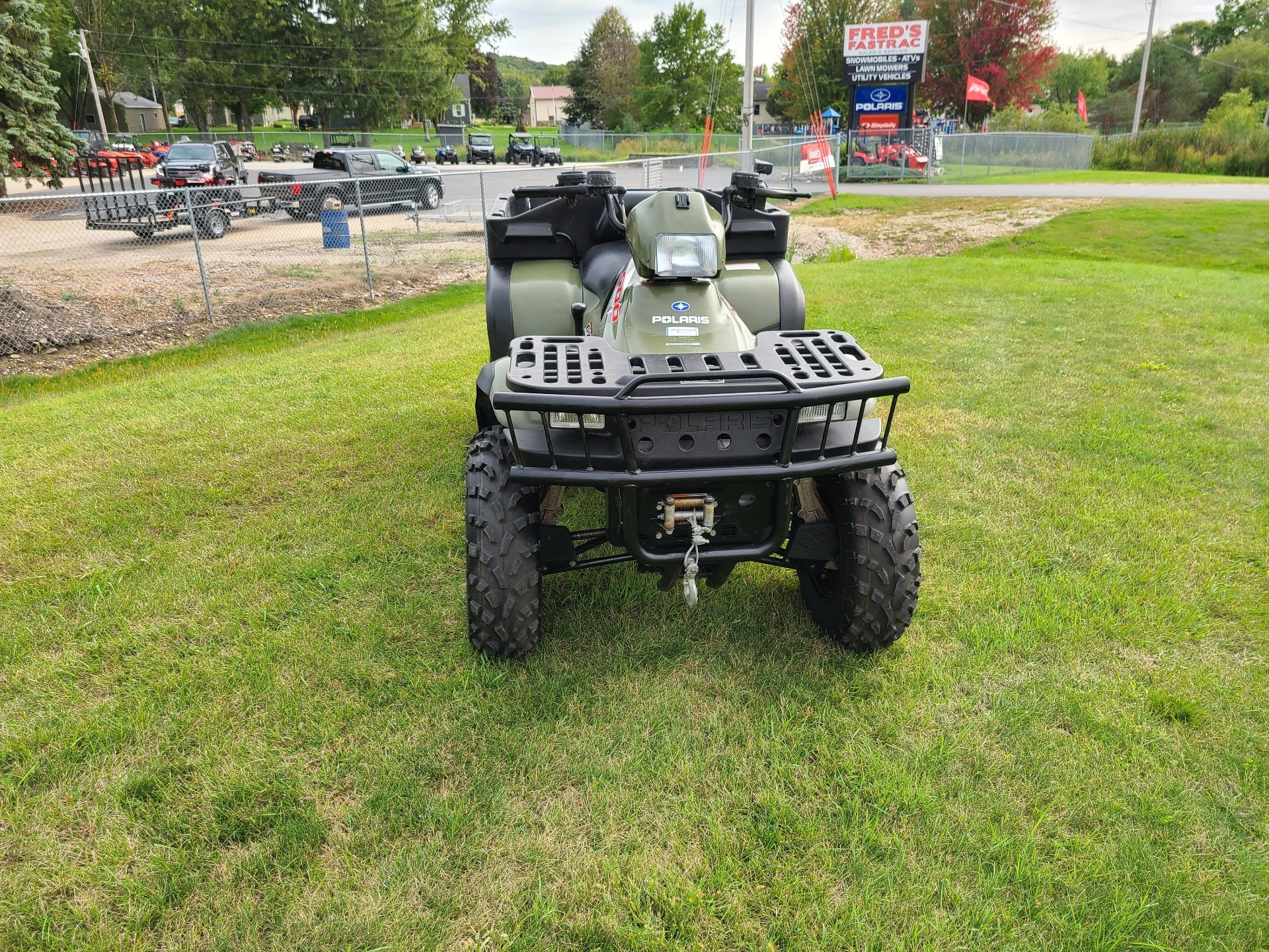 2004 Polaris Sportsman 6x6 in Fond Du Lac, Wisconsin - Photo 4
