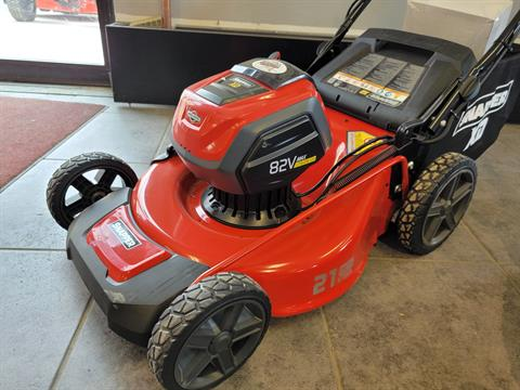 Snapper SXD21SPWM82K 21 in. 82V Max Electric Cordless Self-Propelled in Fond Du Lac, Wisconsin - Photo 4