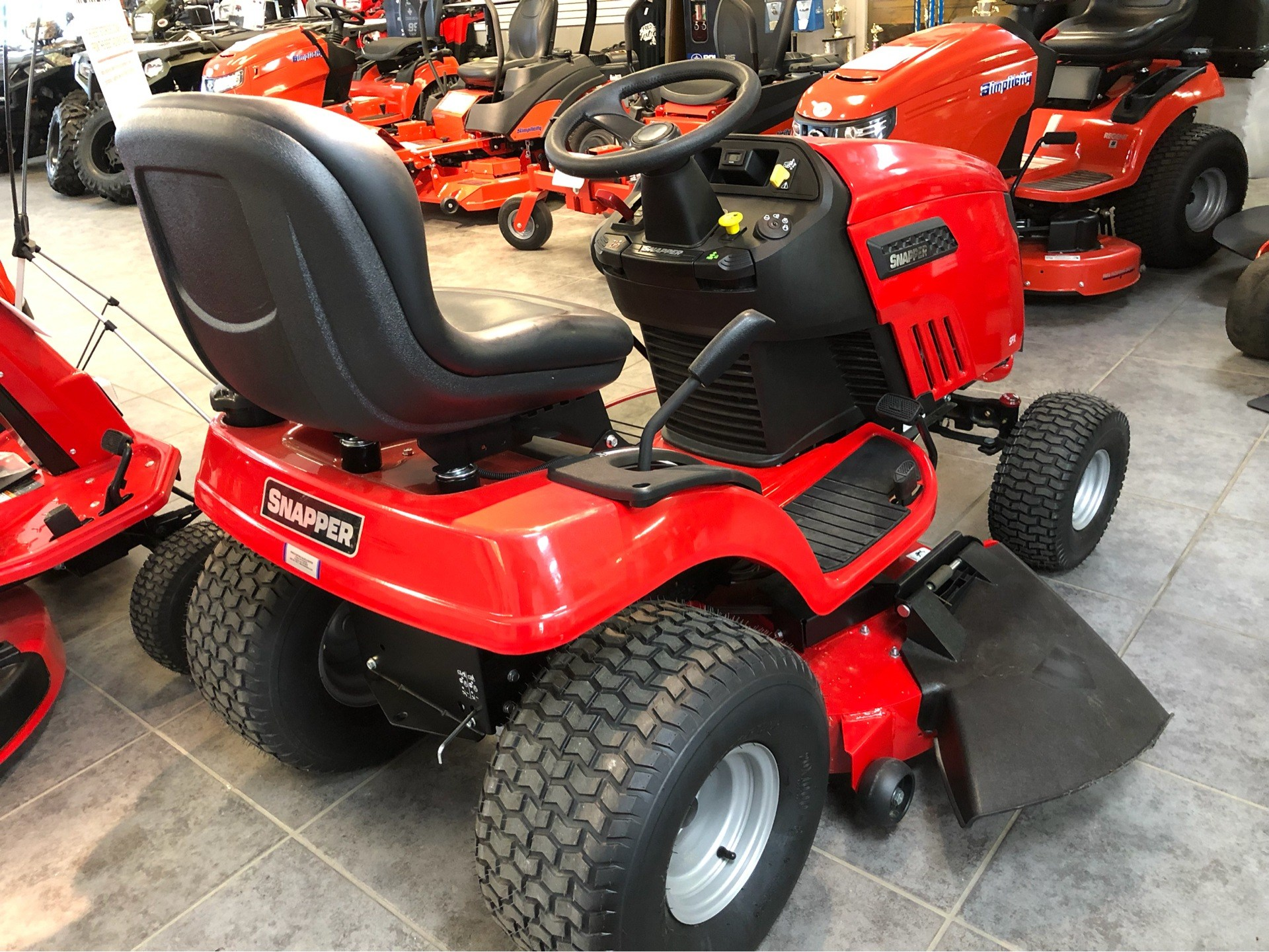 2018 Snapper SPX 25/42 42 in. Briggs & Stratton 25 hp in Fond Du Lac, Wisconsin - Photo 5