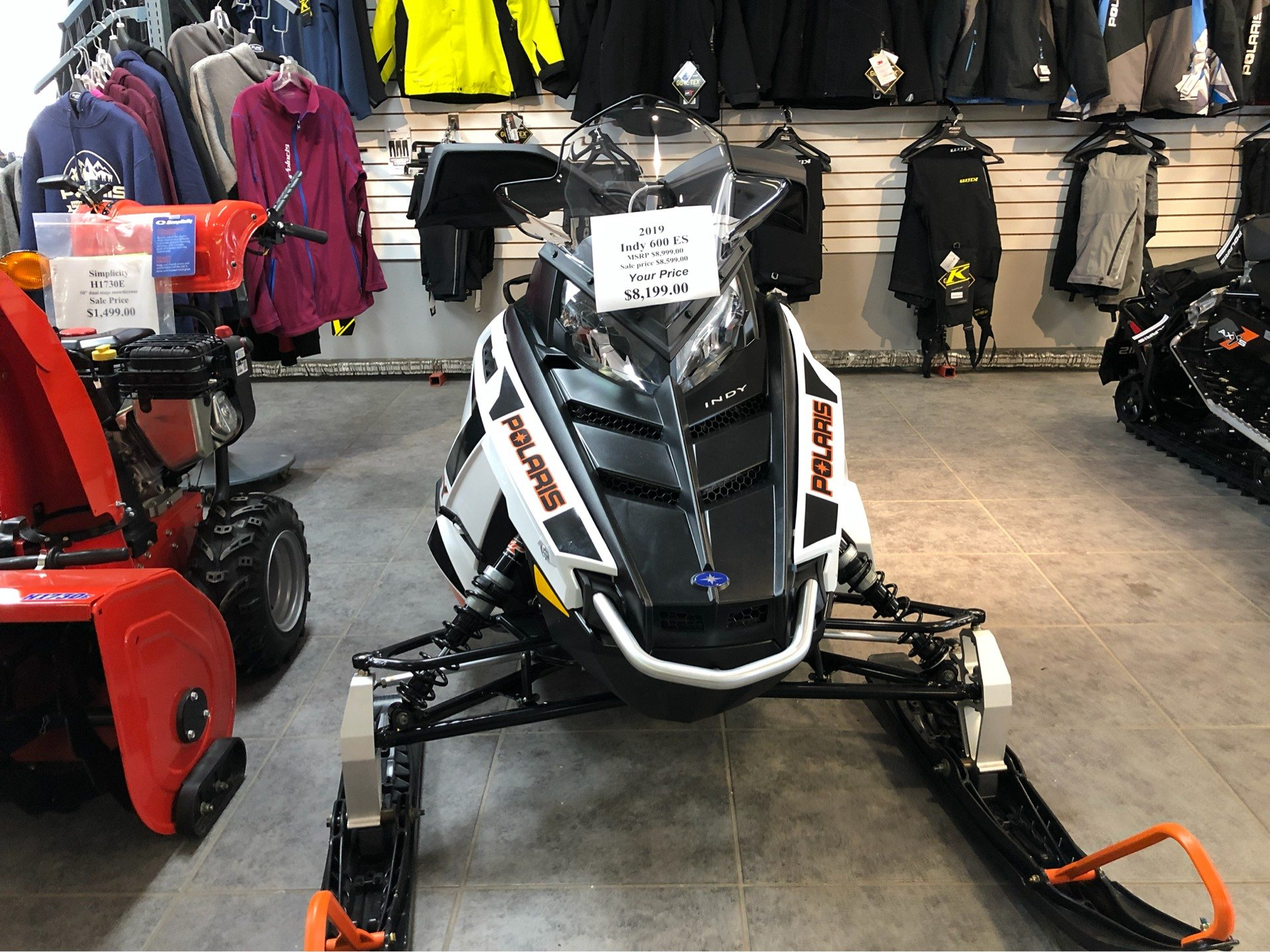 2019 Polaris 600 INDY 121 ES in Fond Du Lac, Wisconsin - Photo 4