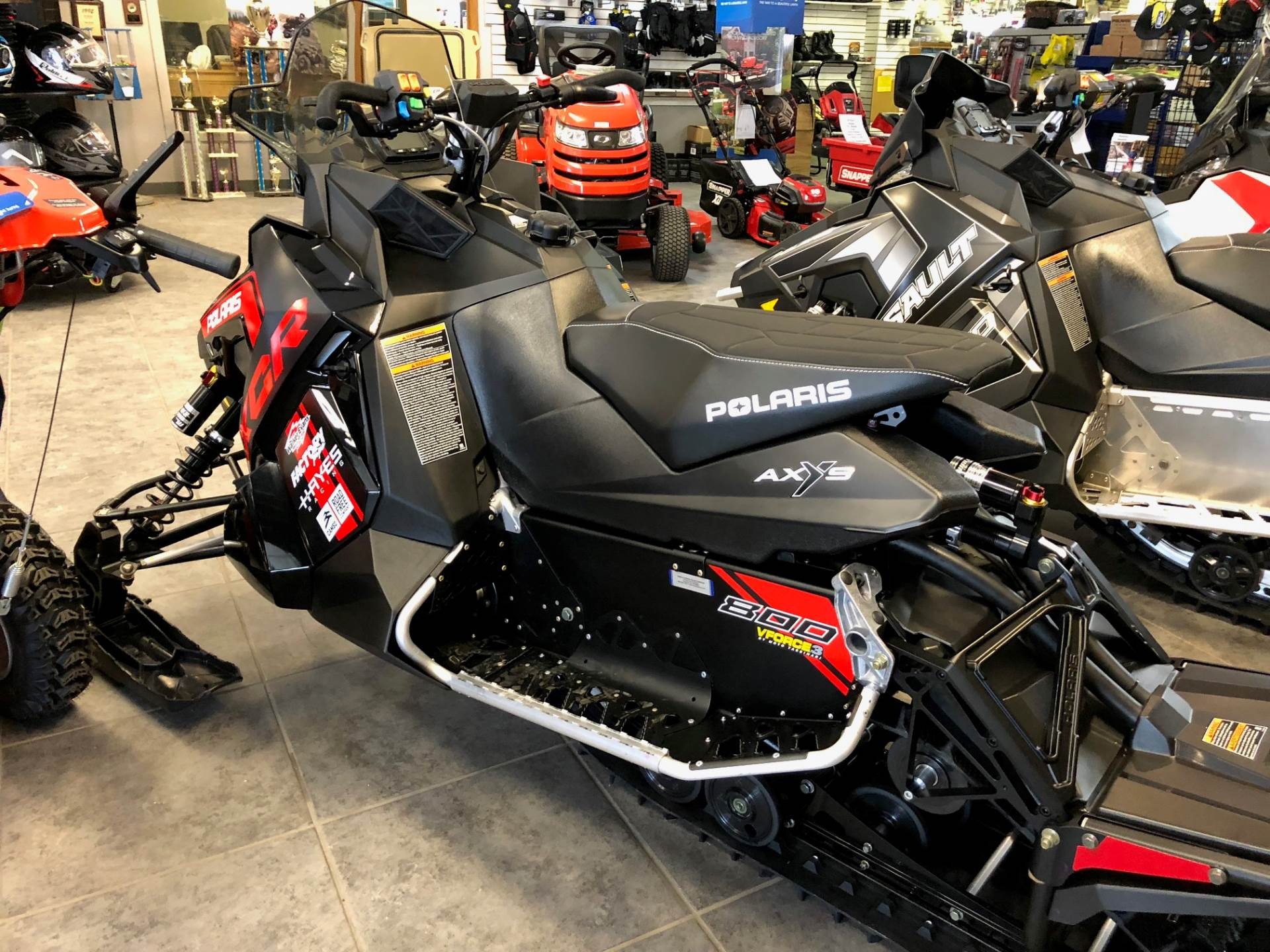 2018 Polaris 800 RUSH XCR SnowCheck Select in Fond Du Lac, Wisconsin