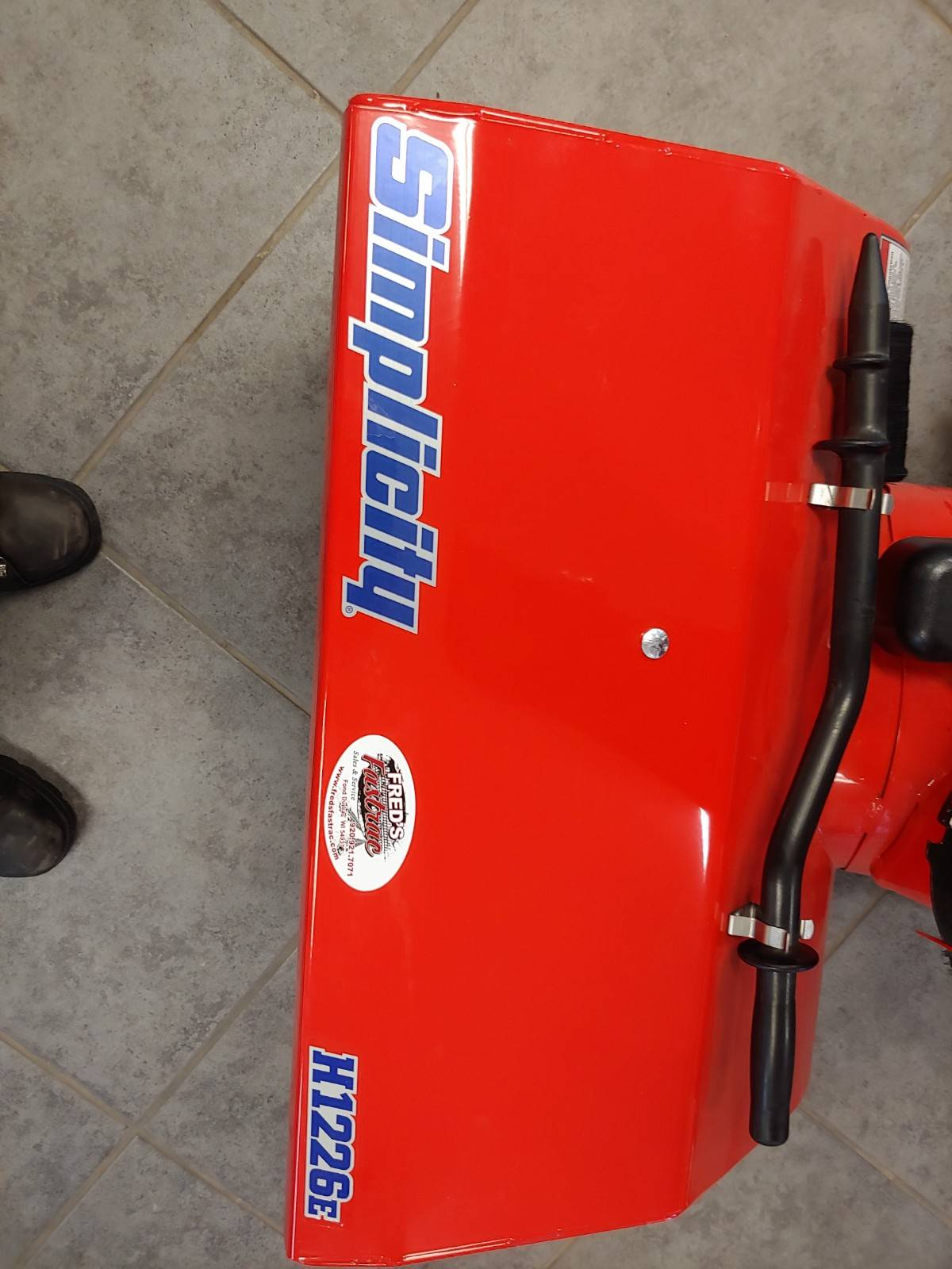 "Simplicity 26"" H1226E SNOW THROWER in Fond Du Lac, Wisconsin - Photo 2"