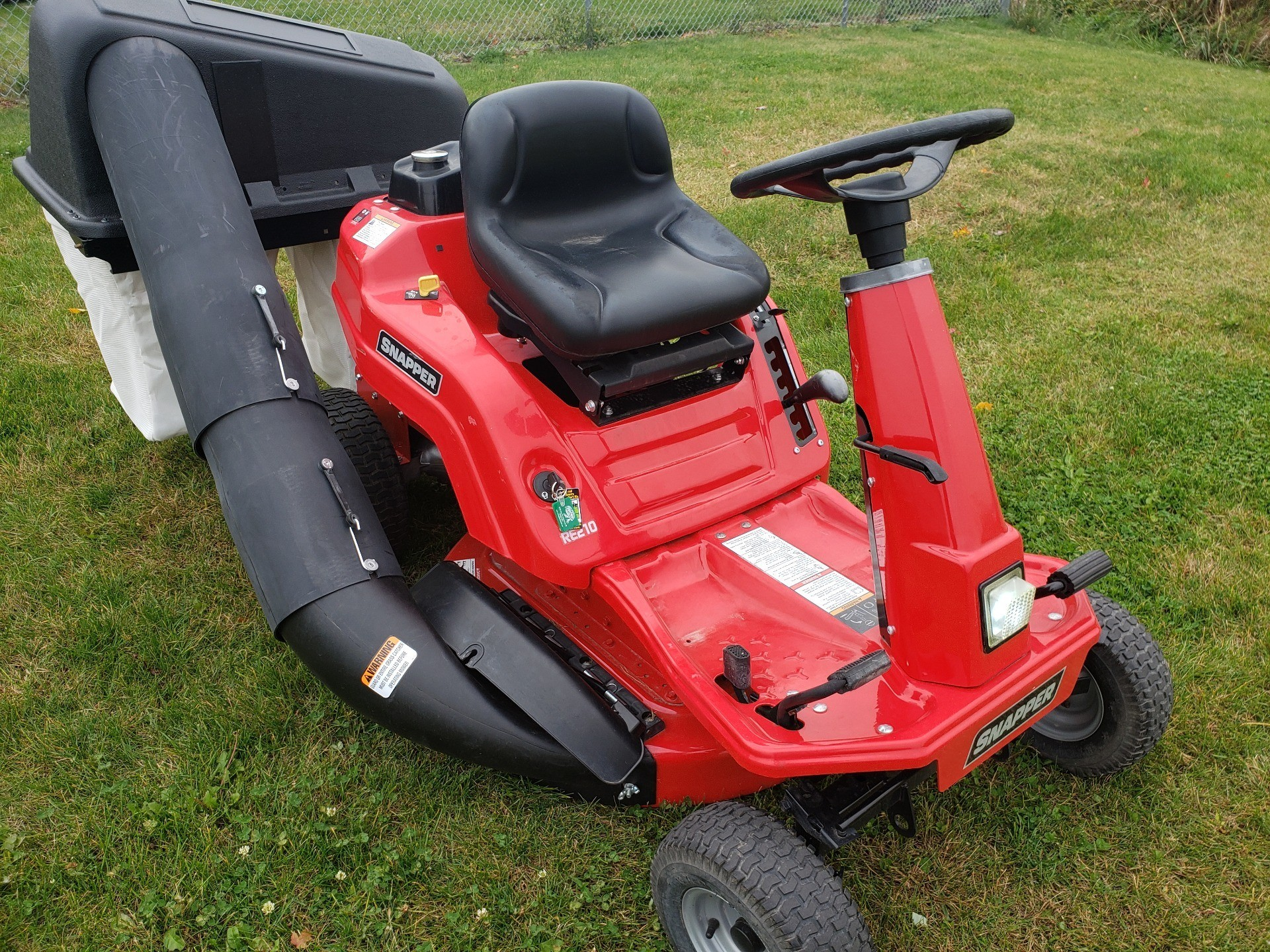 Used Snapper Rear Engine Riding Lawn Mowers Re210 Lawn Mowers In Fond Du Lac Wi Stock Number U487324