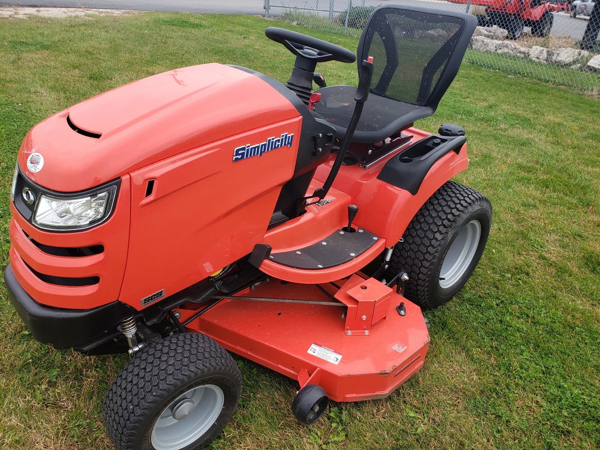 2018 Simplicity Conquest 52 in. Briggs & Stratton 25 hp in Fond Du Lac, Wisconsin - Photo 2