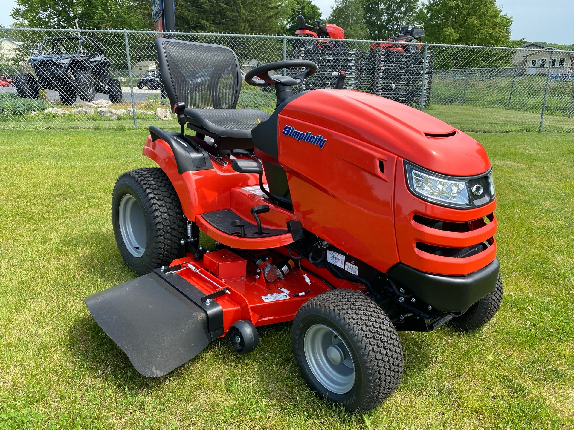 2019 Simplicity Broadmoor 52 in. Briggs & Stratton 25 hp in Fond Du Lac, Wisconsin - Photo 4