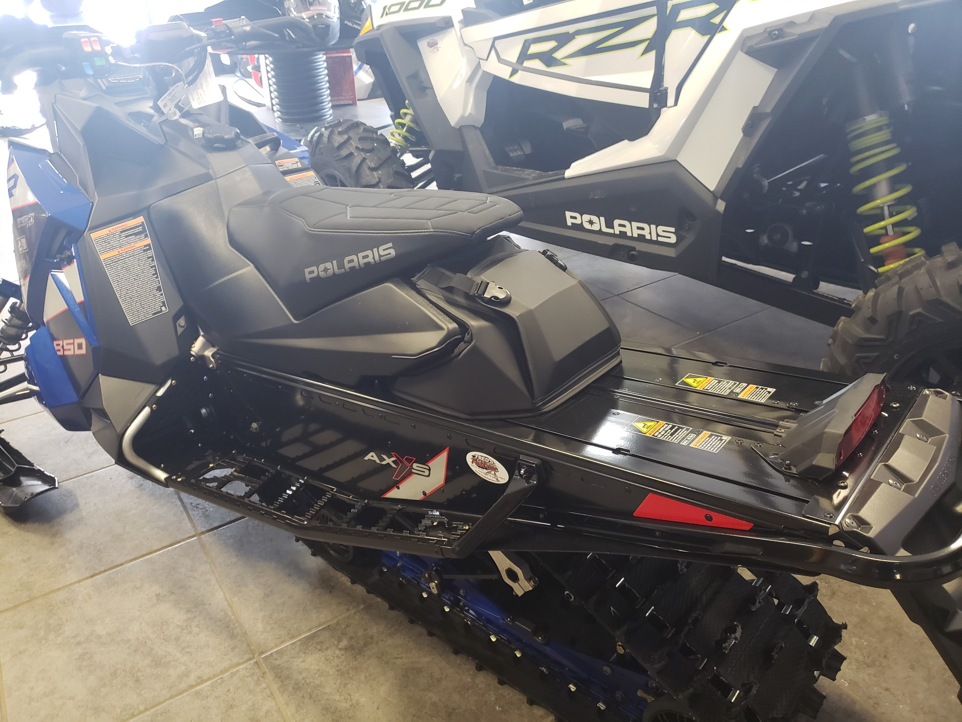 2021 Polaris 850 Indy XCR 129 Factory Choice in Fond Du Lac, Wisconsin - Photo 4