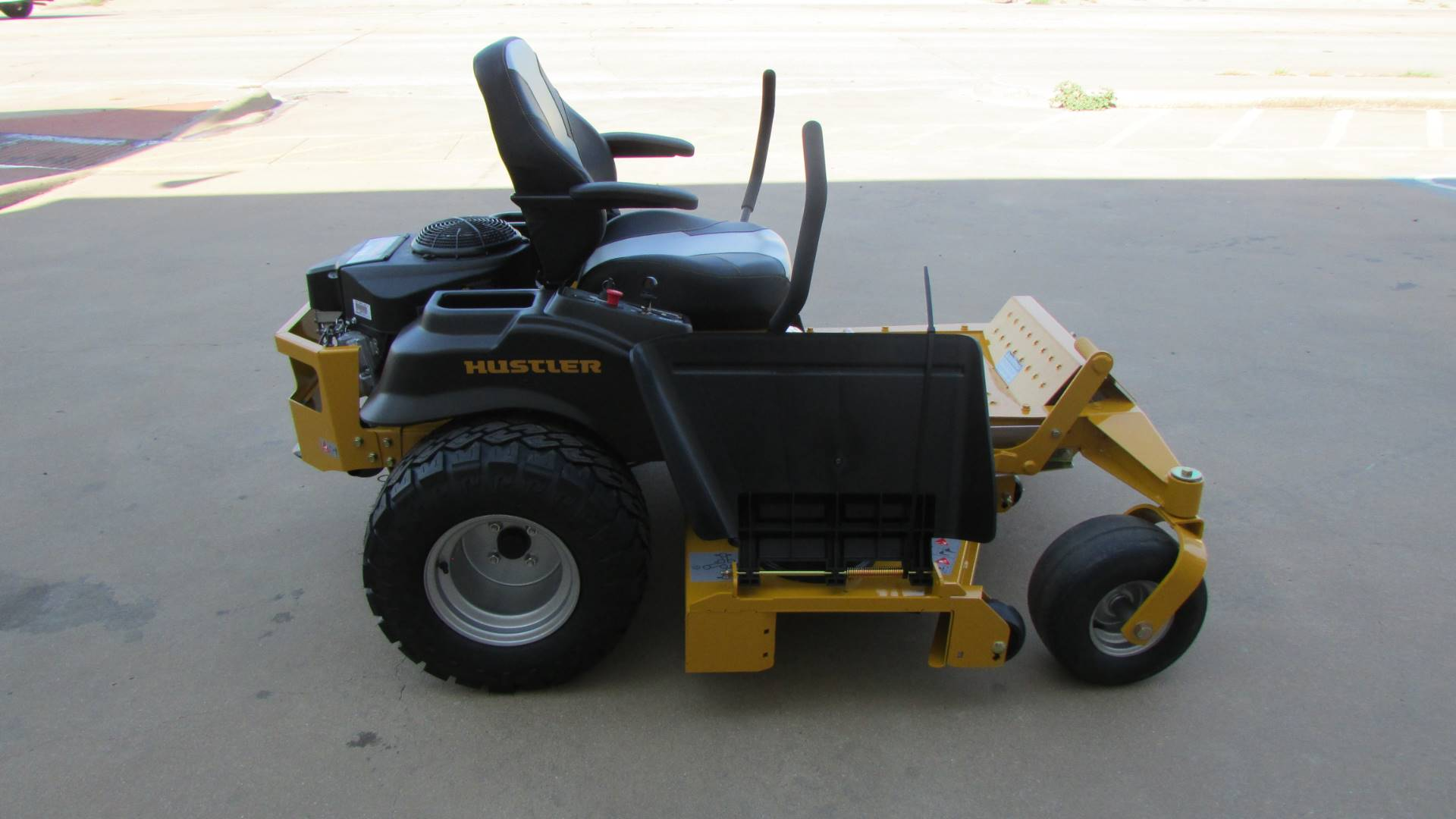 2020 Hustler Turf Equipment Raptor SDX 60 in. Kawasaki 24 hp in Wichita Falls, Texas - Photo 5