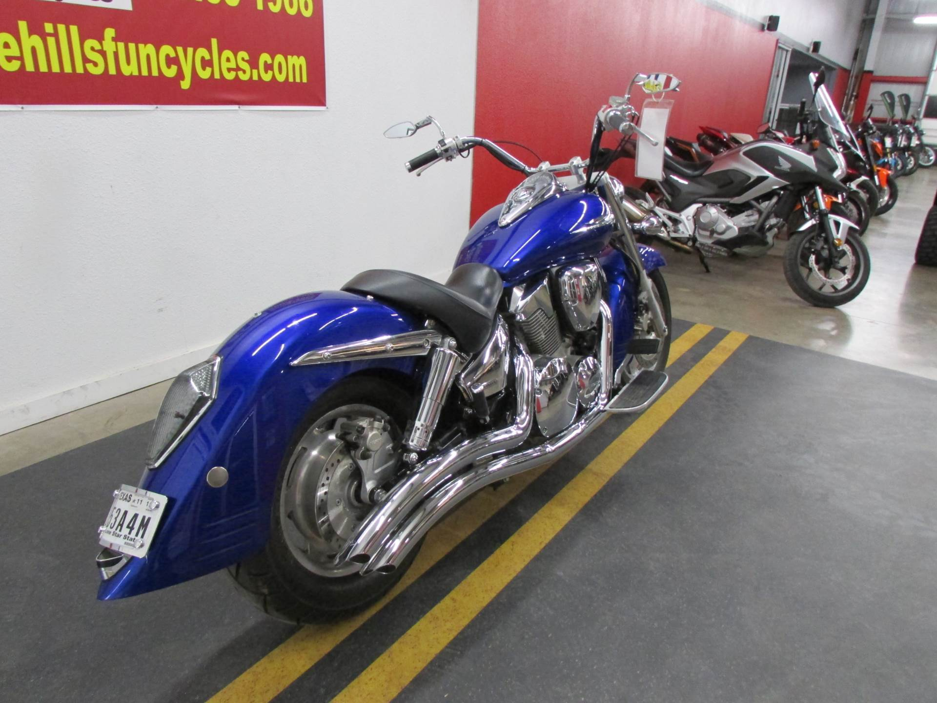 2006 Honda VTX™1300R in Wichita Falls, Texas - Photo 2