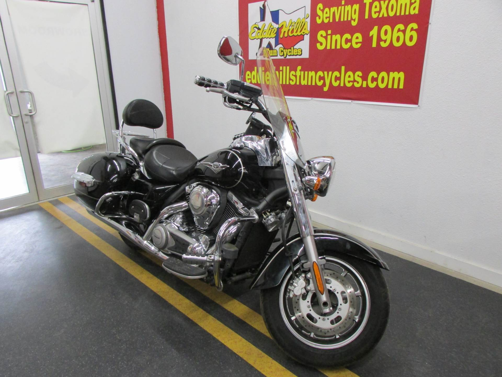 2009 Kawasaki Vulcan® 1700 Nomad™ in Wichita Falls, Texas - Photo 4