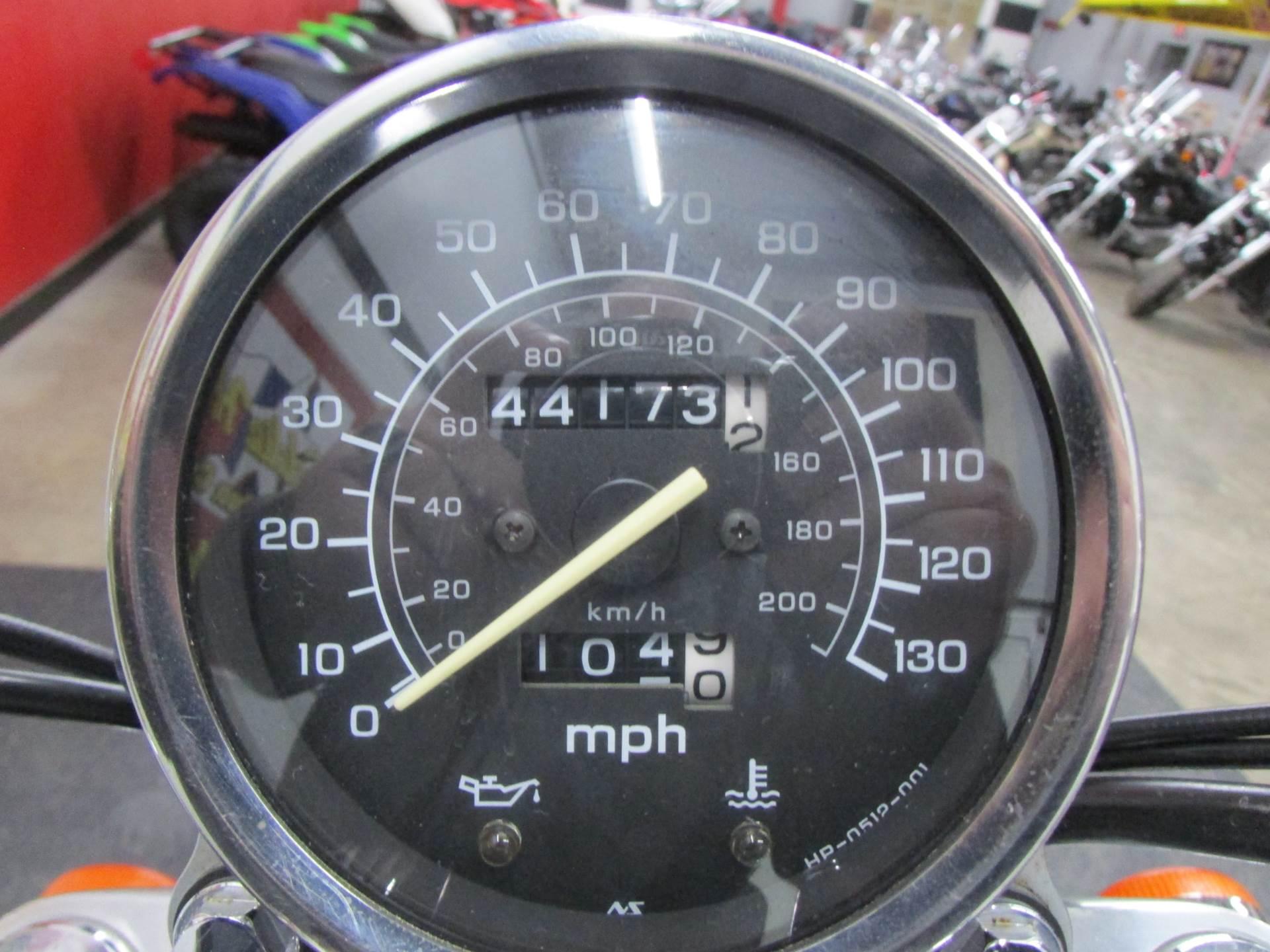 2006 Honda VT1100C1 6