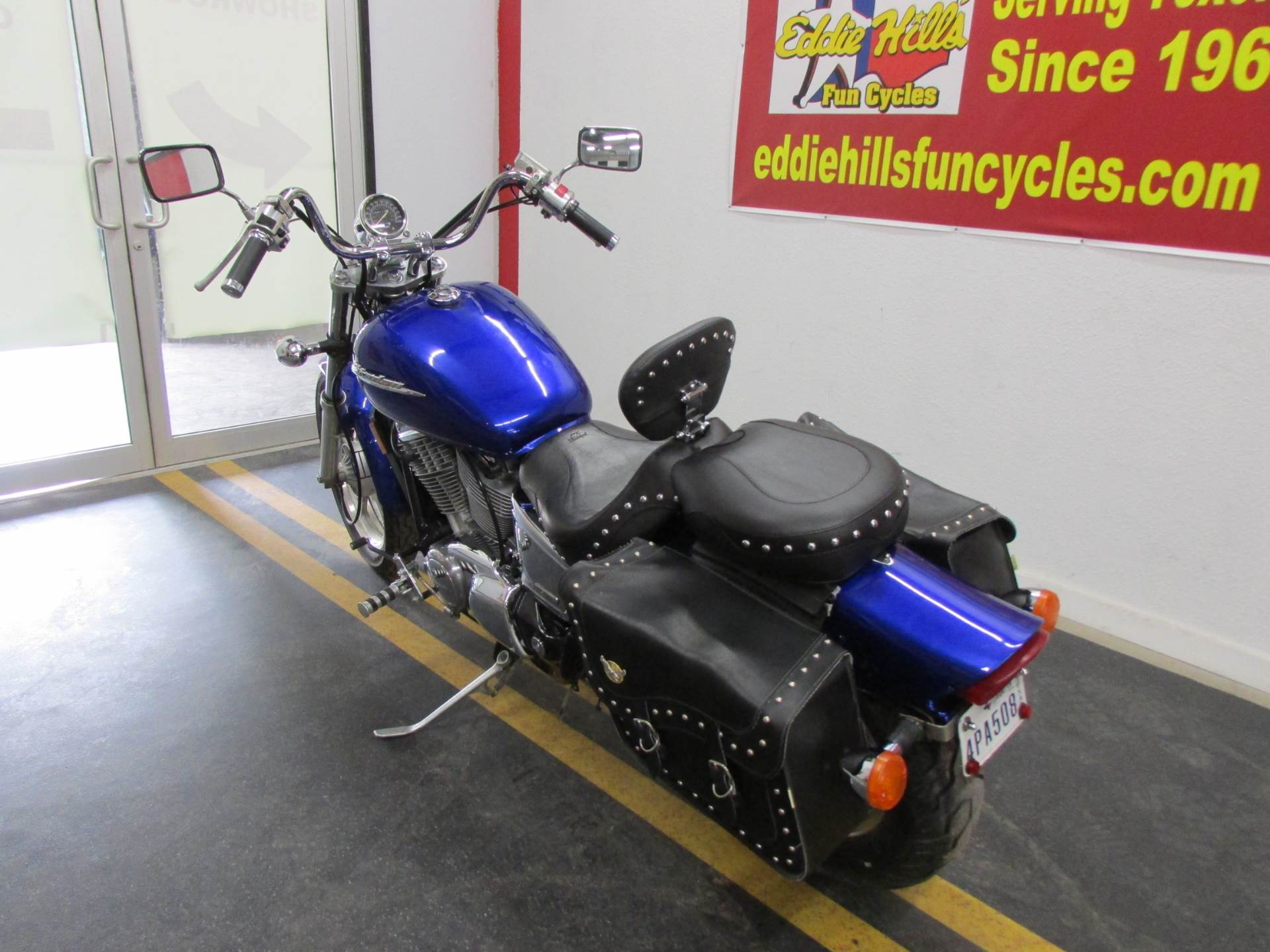 2006 Honda VT1100C1 9