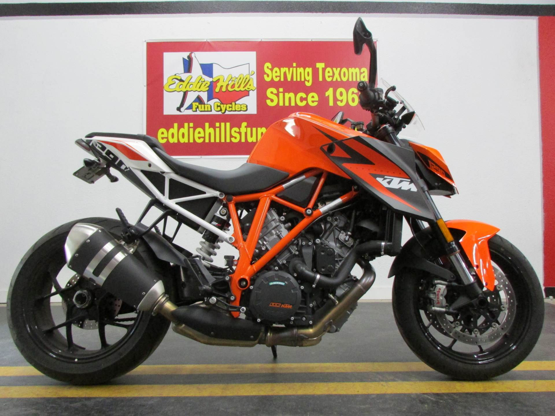 2016 KTM 1290 Super Duke R in Wichita Falls, Texas - Photo 2