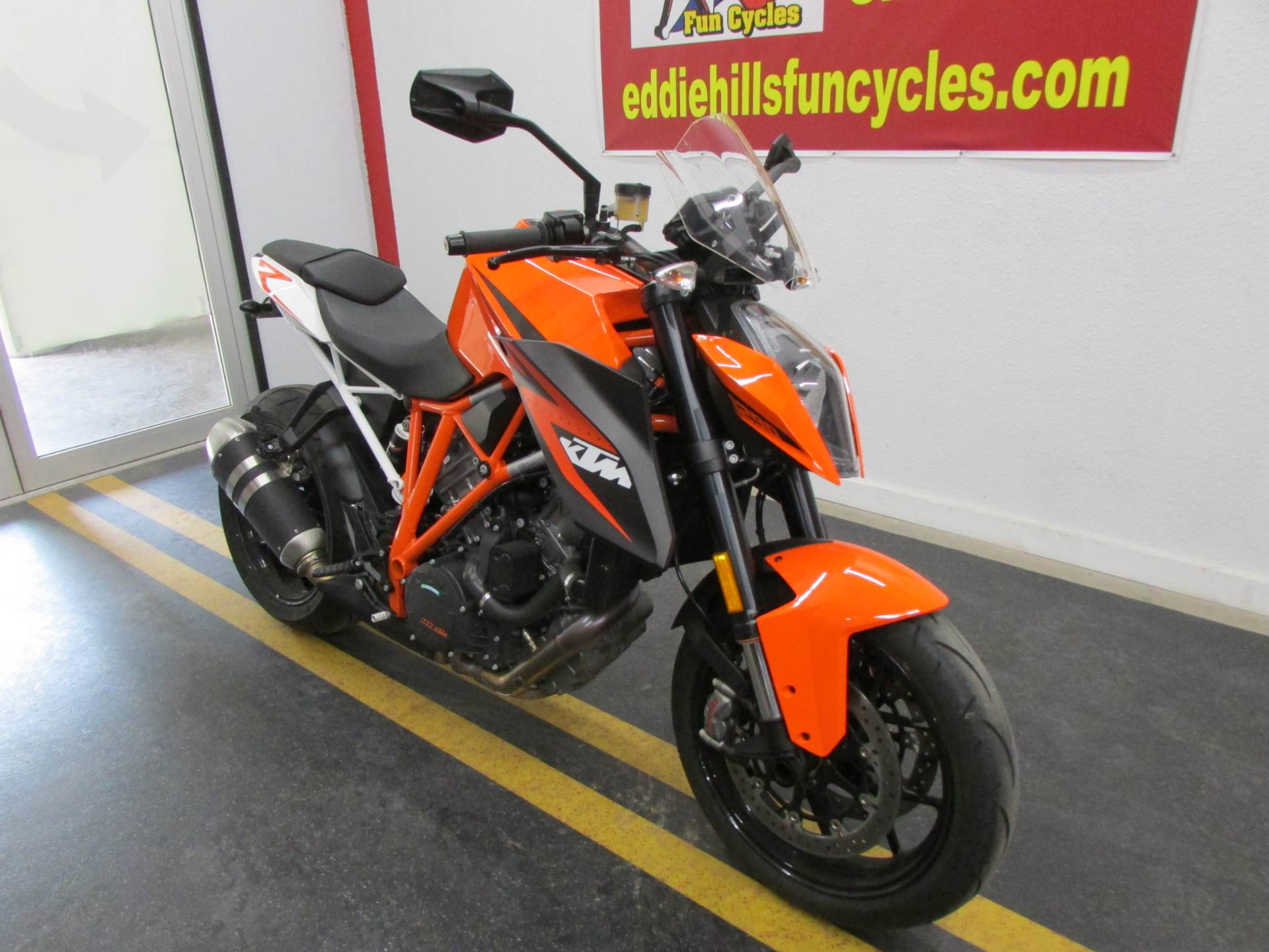 2016 KTM 1290 Super Duke R in Wichita Falls, Texas - Photo 3