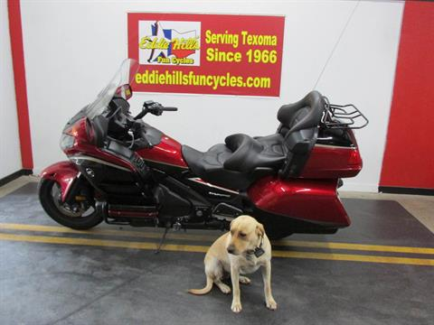 2015 Honda Gold Wing® Audio Comfort in Wichita Falls, Texas - Photo 2