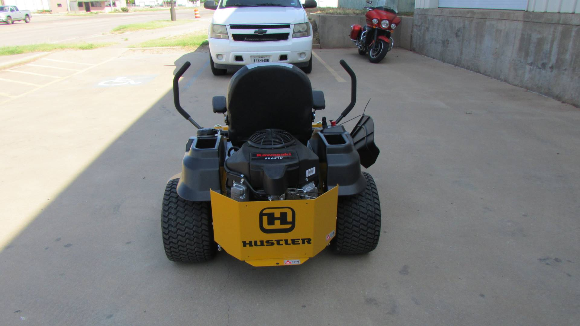 2020 Hustler Turf Equipment Raptor SD 48 in. Kawasaki 21.5 hp in Wichita Falls, Texas - Photo 6