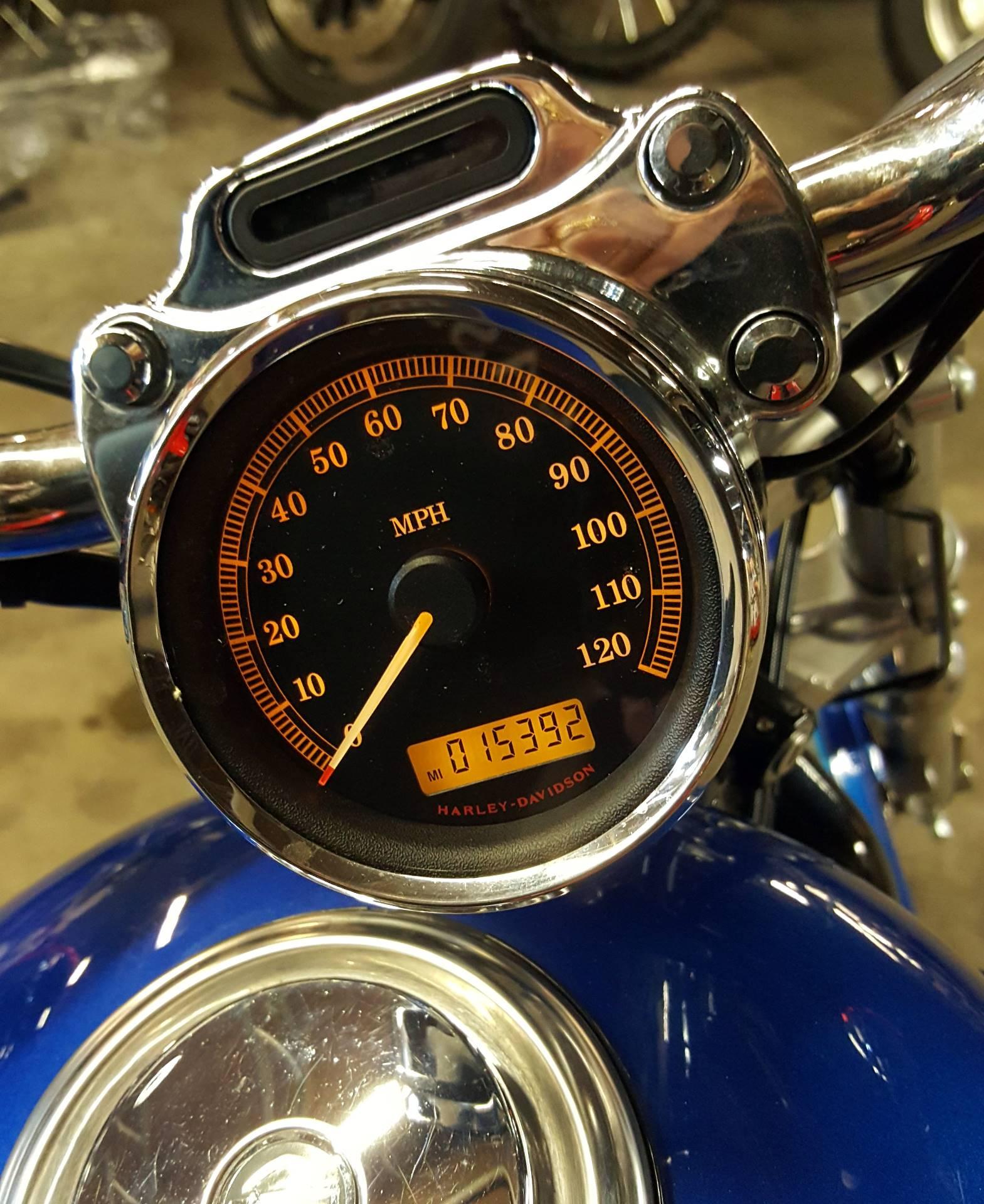 2009 Harley-Davidson Sportster 1200 Custom 3