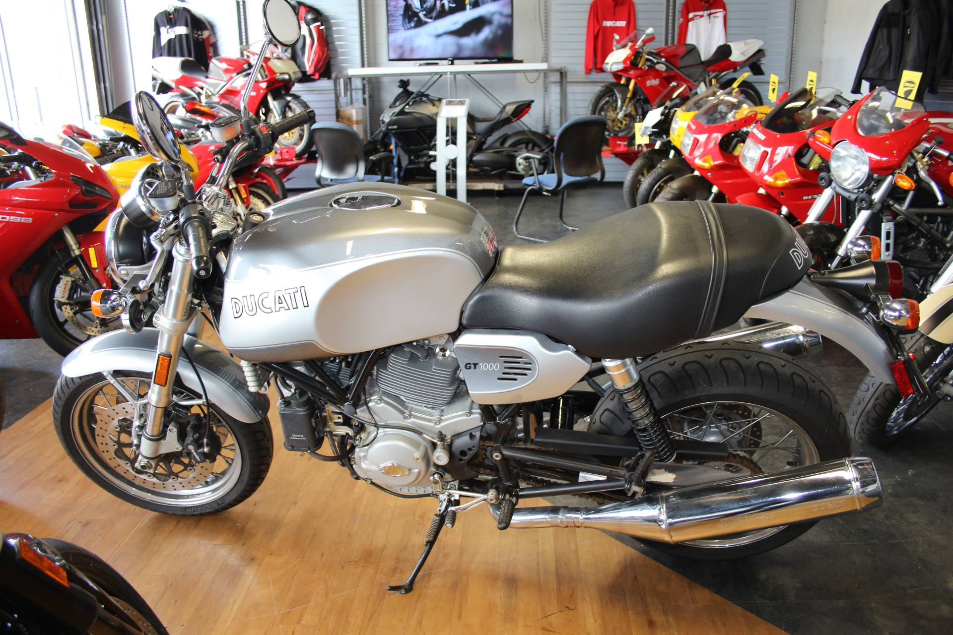 2008 Ducati SportClassic GT 1000 in Oakdale, New York - Photo 5