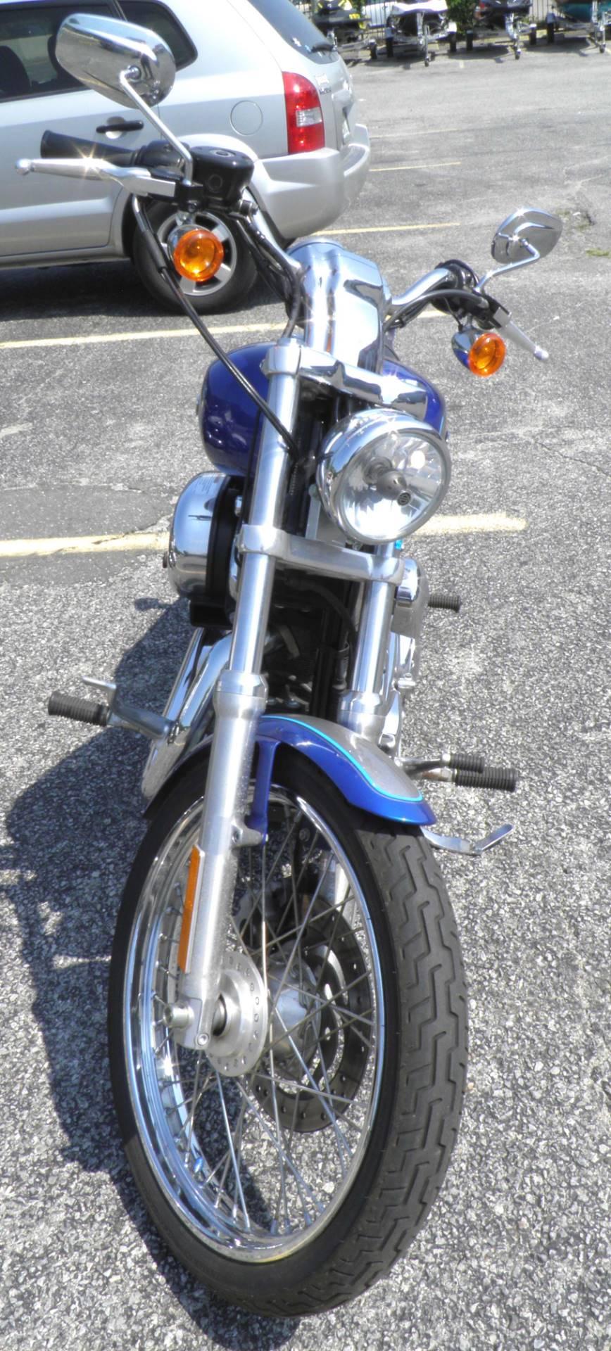 2009 Harley-Davidson Sportster 1200 Custom 4