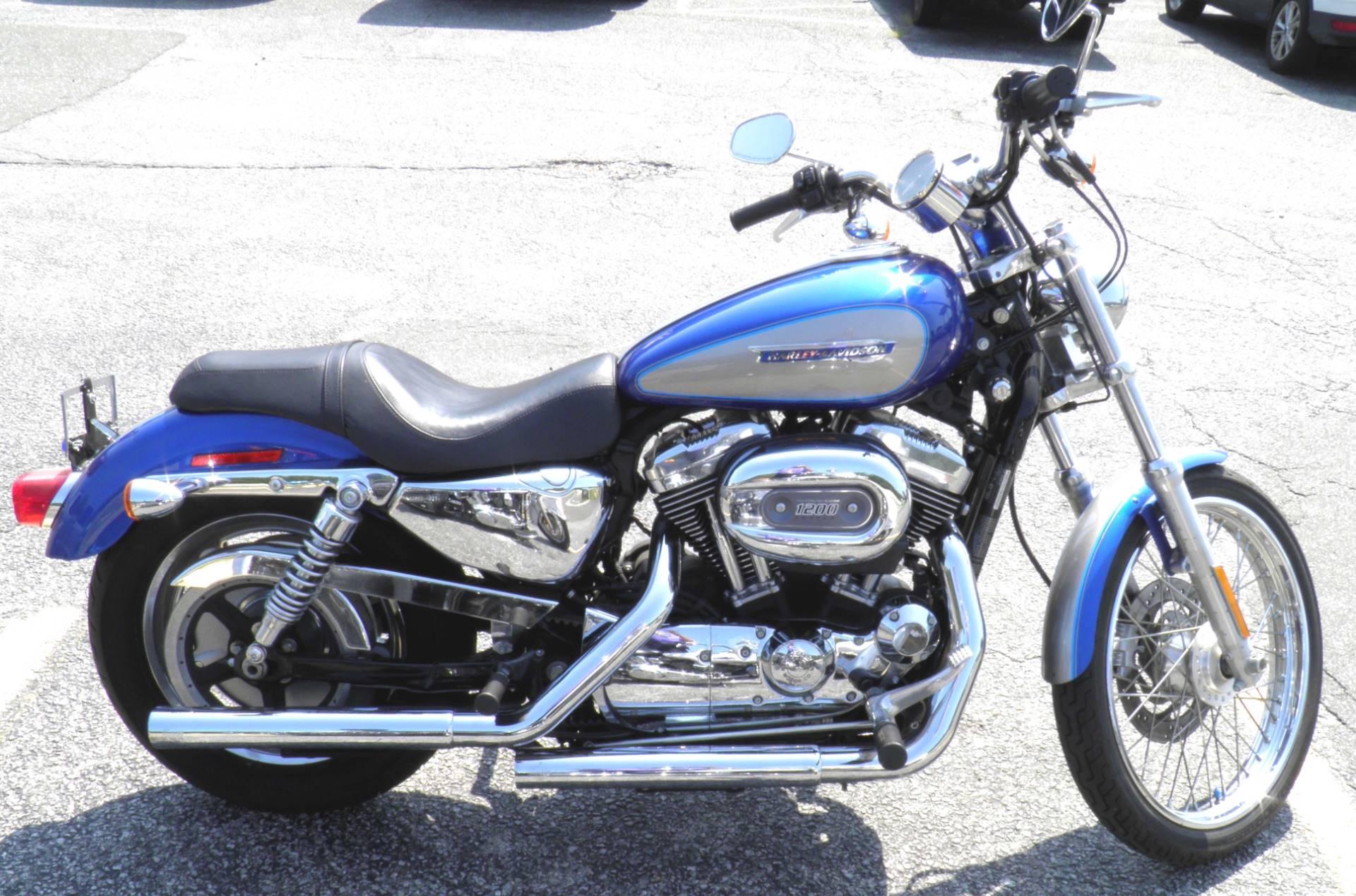 2009 Harley-Davidson Sportster 1200 Custom 2