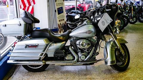 2012 Harley-Davidson Electra Glide® Classic in Oakdale, New York - Photo 5