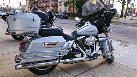 2012 Harley-Davidson Electra Glide® Classic in Oakdale, New York - Photo 8