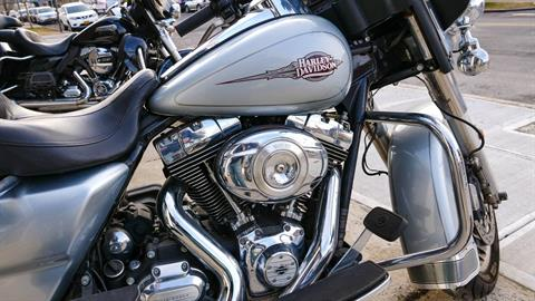 2012 Harley-Davidson Electra Glide® Classic in Oakdale, New York - Photo 6