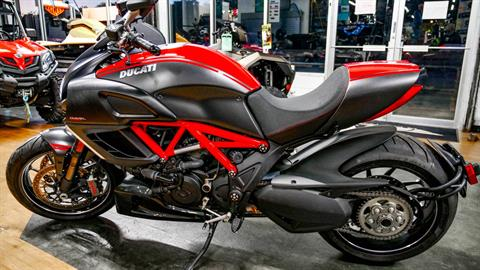 2011 Ducati Diavel in Oakdale, New York - Photo 3