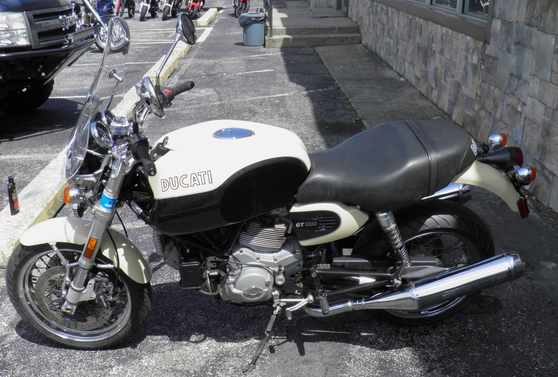 2007 Ducati SportClassic GT1000 in Oakdale, New York - Photo 2