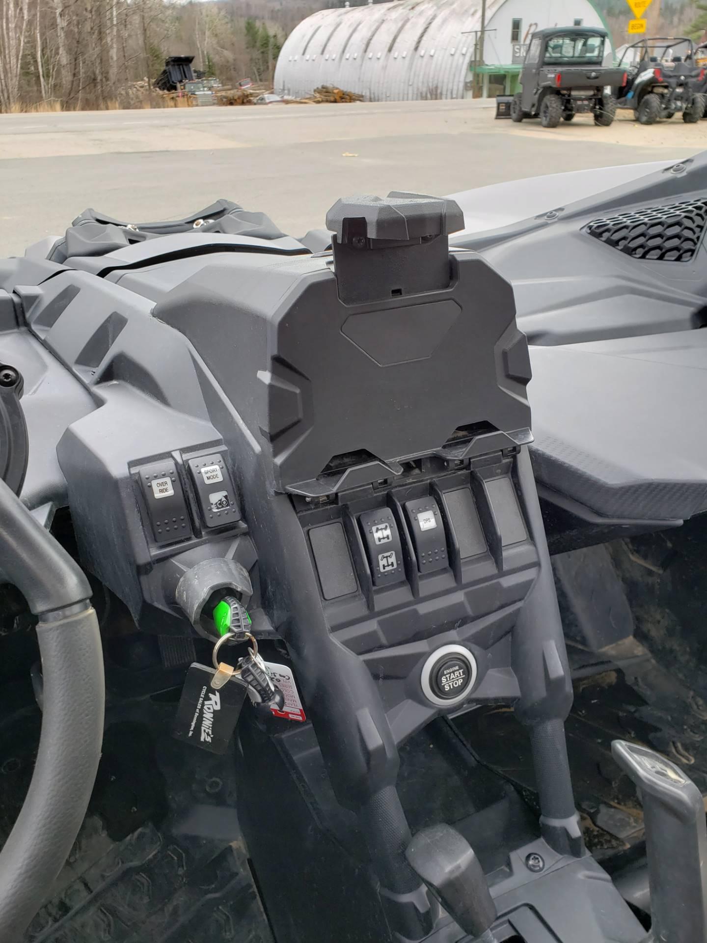 2018 Can-Am™ Maverick X3 X ds Turbo R 8