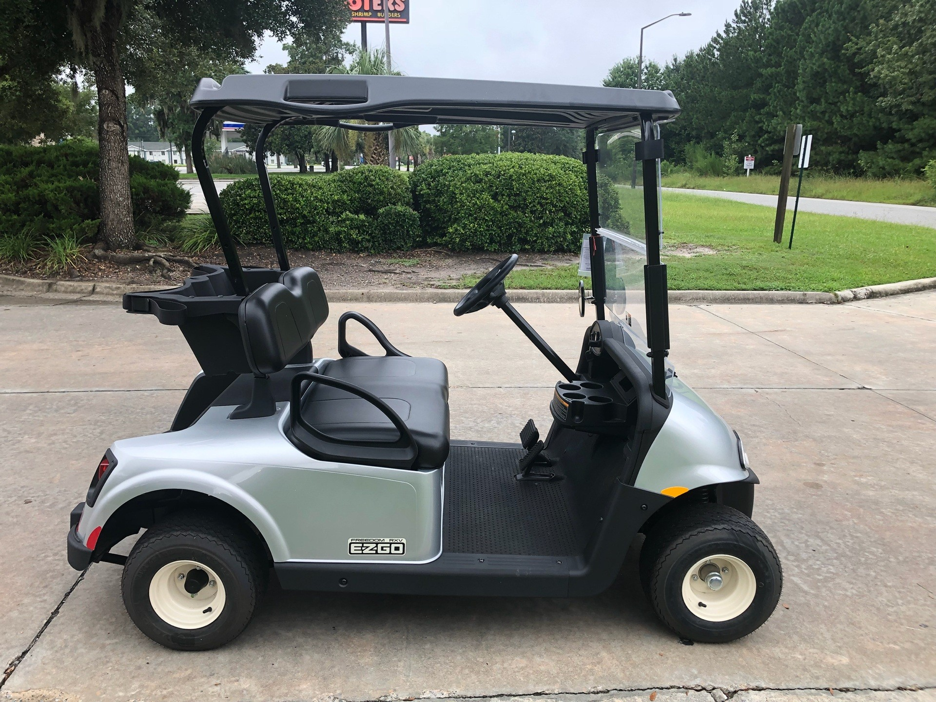2017 E-Z-GO Personal Freedom RXV Electric in Savannah, Georgia - Photo 3
