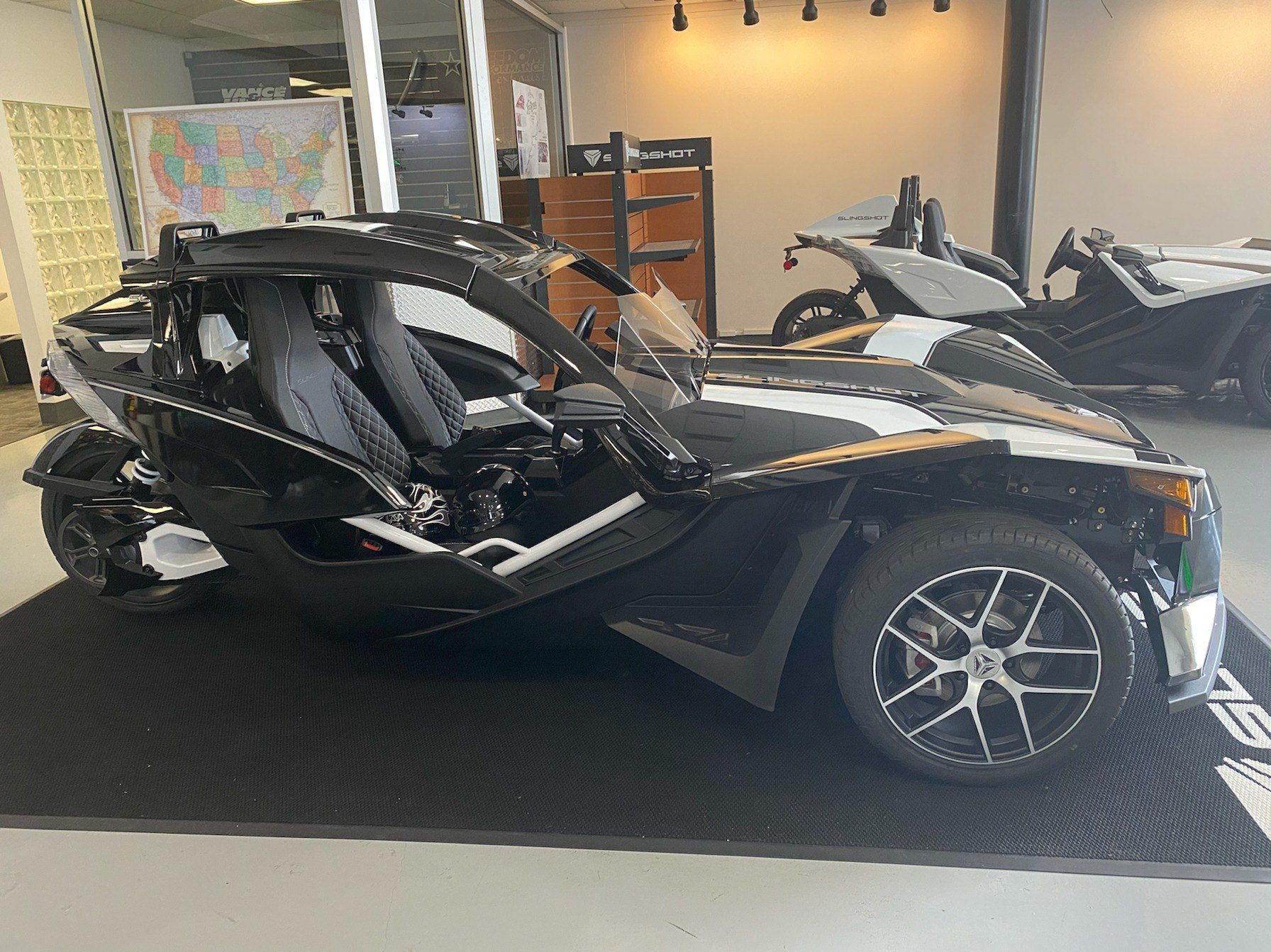 2019 Slingshot Slingshot Grand Touring in Savannah, Georgia - Photo 2