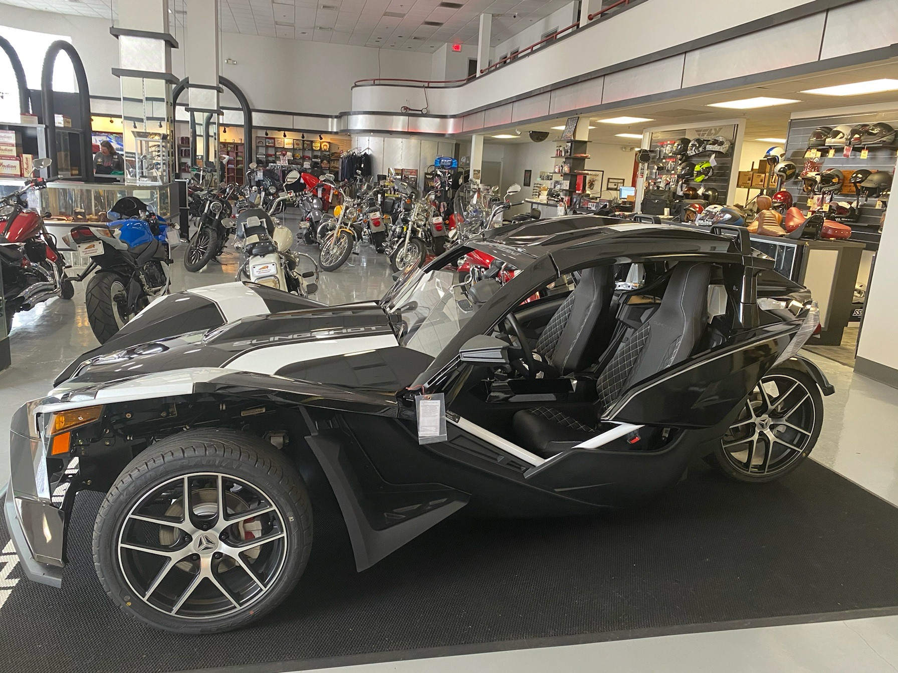 2019 Slingshot Slingshot Grand Touring in Savannah, Georgia - Photo 4