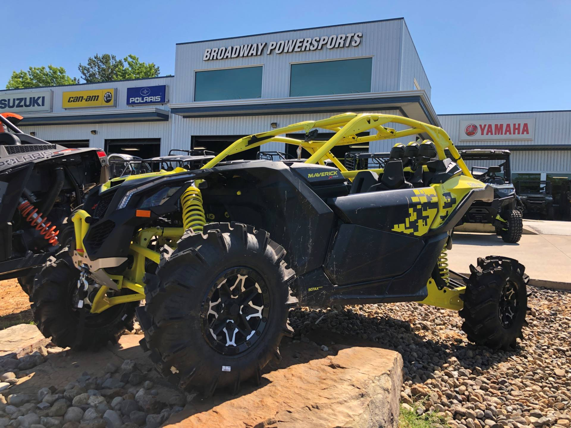 2019 Can-Am Maverick X3 X MR Turbo R in Tyler, Texas - Photo 1