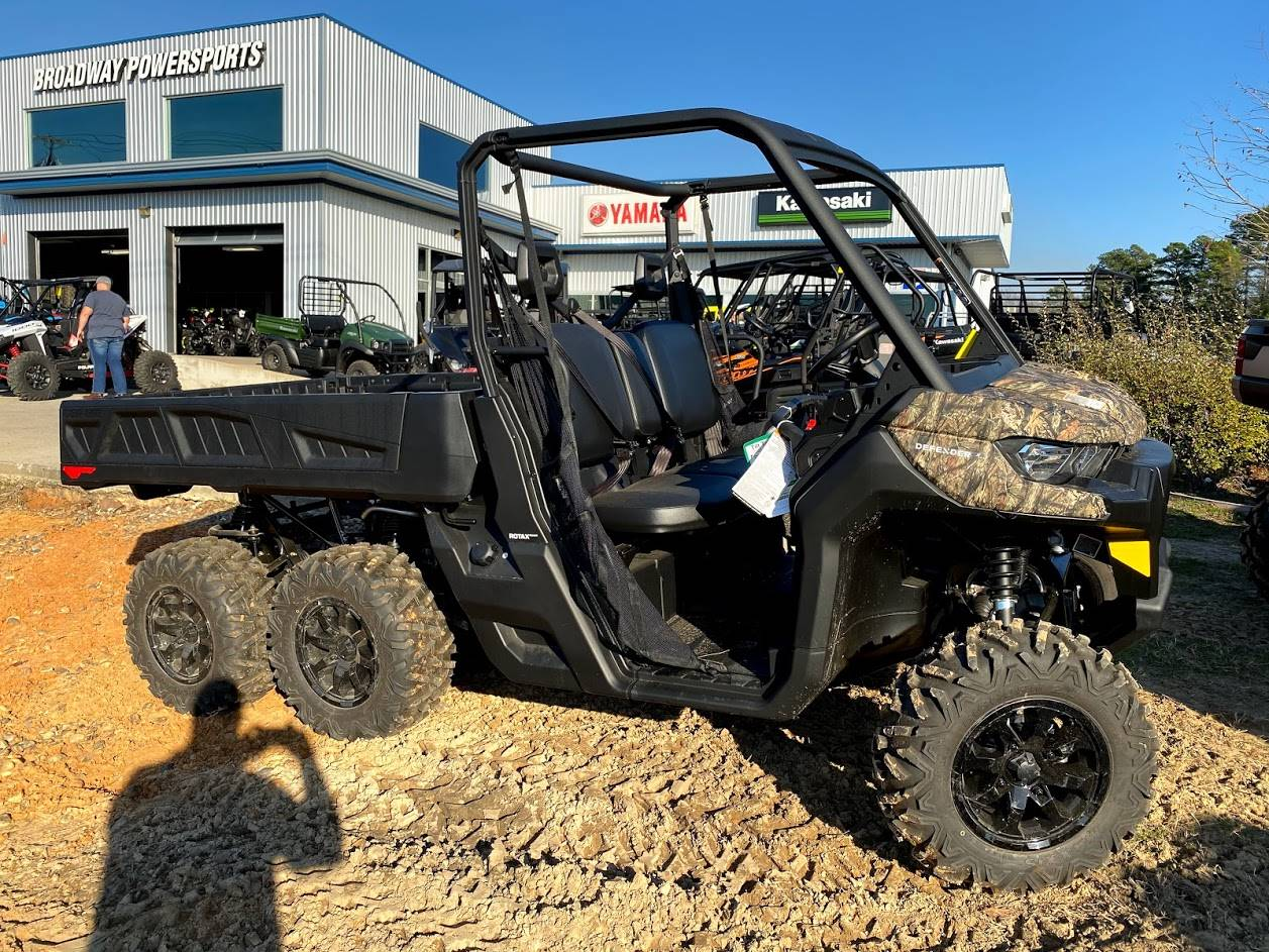 2020 Can-Am Defender 6x6 DPS HD10 in Tyler, Texas - Photo 1