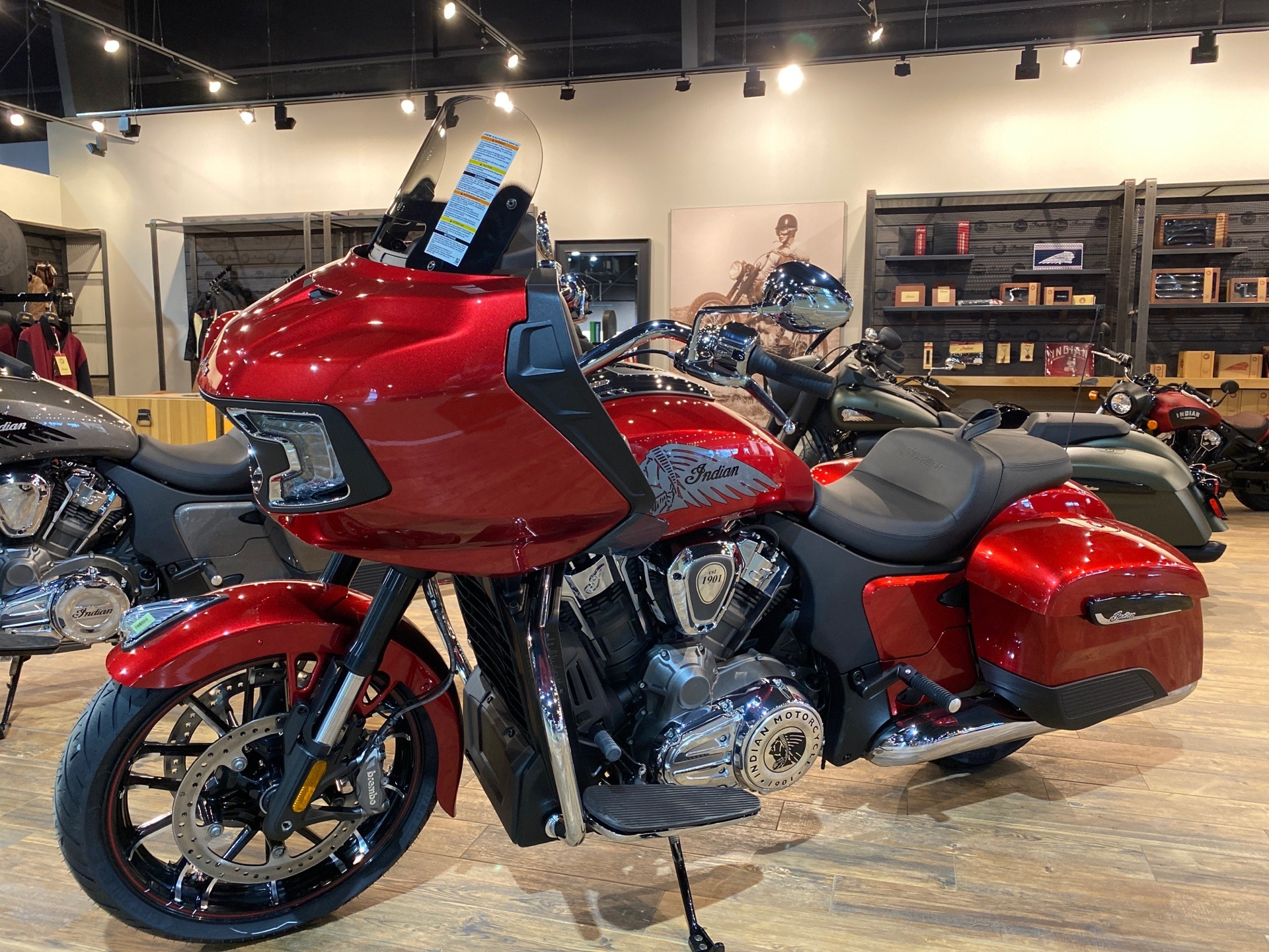 2020 Indian Challenger® Limited in Tyler, Texas - Photo 2
