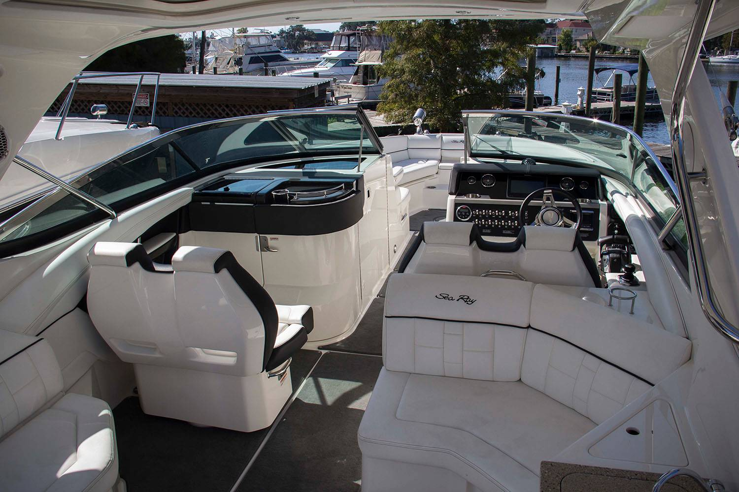 2015 Sea Ray 350 SLX in Madisonville, Louisiana